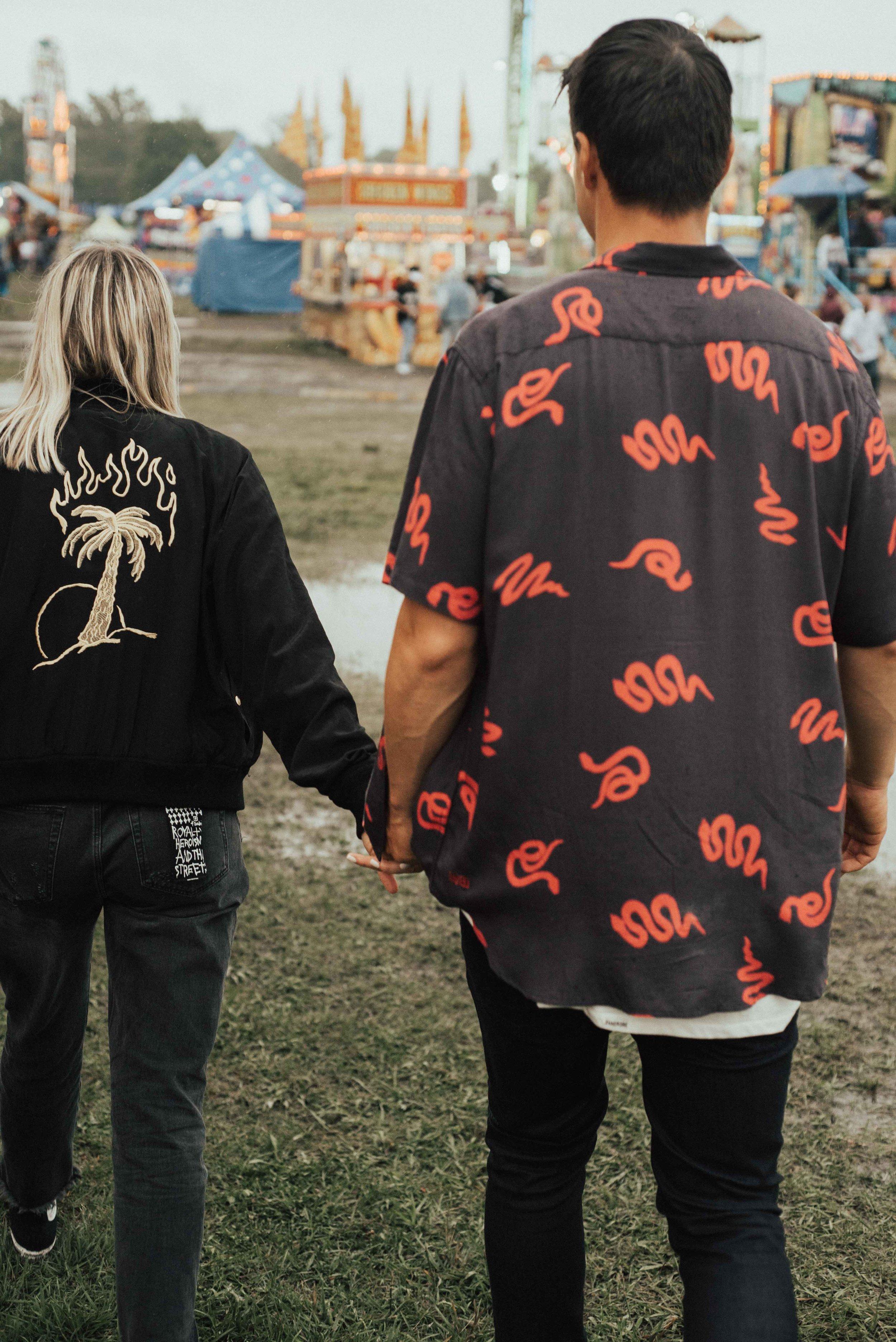 Rainy Carnival Virginia Couple. SB Photographs.jpg