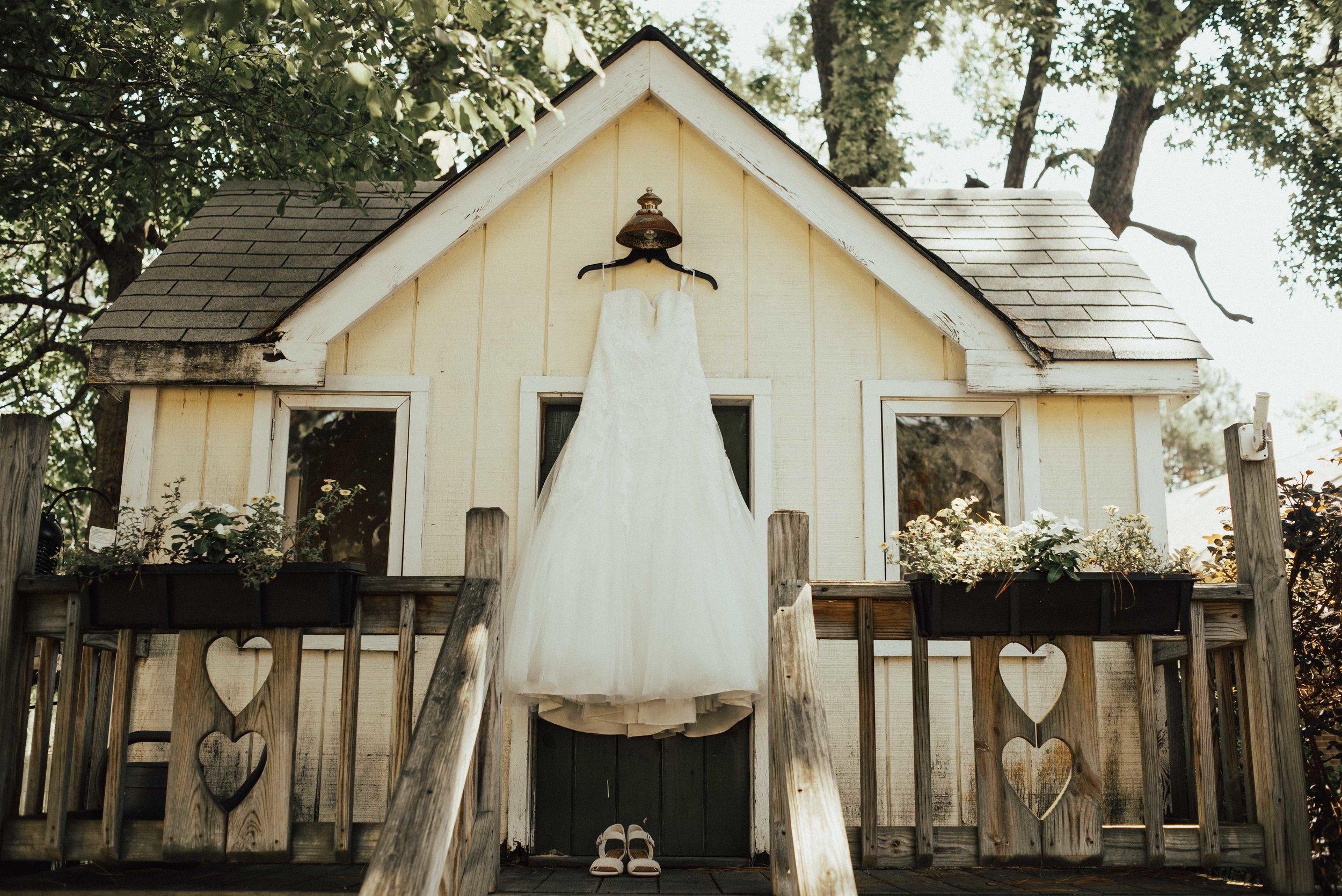 Virginia Wedding dress. SB Photographs.jpg