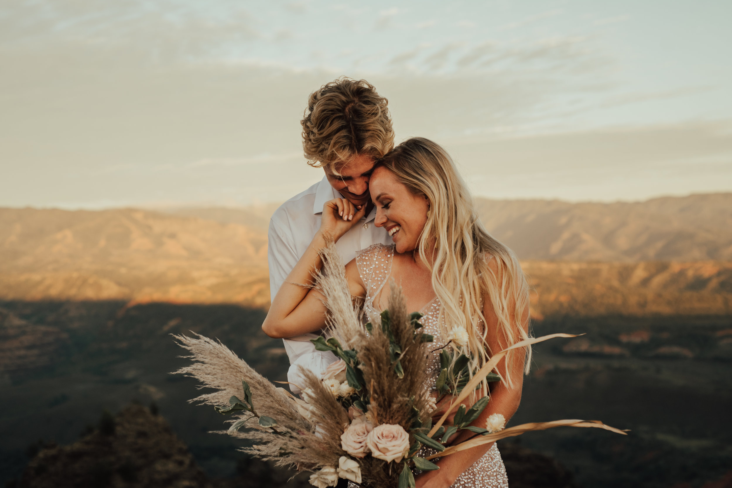 Waimea Canyon Elopement by SB Photographs01101001000111001110110110100100100001101001DSC_6832DSC_68320001101.jpg
