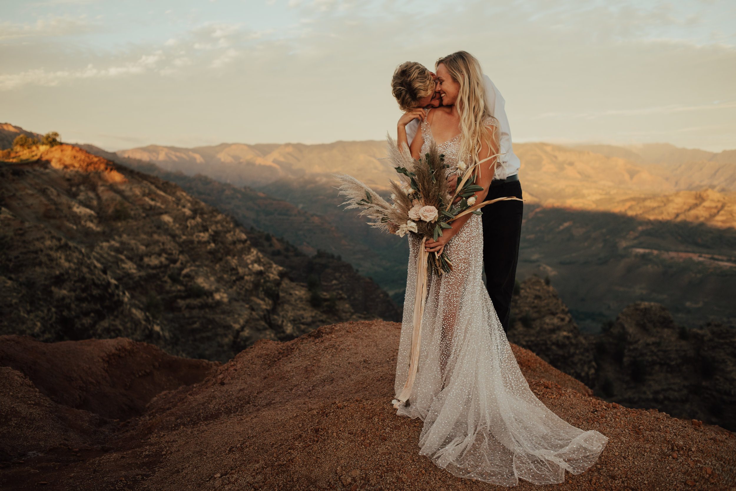 Waimea Canyon Elopement by SB Photographs01101001000111001110110110100100100001101001DSC_6869DSC_68690001101.jpg