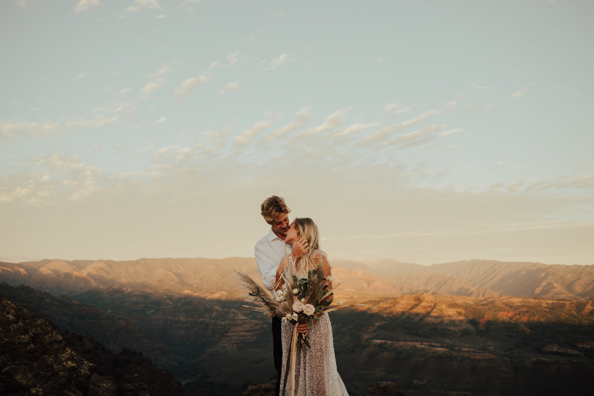 Waimea Canyon Elopement by SB Photographs01101001000111001110110110100100100001101001DSC_6920DSC_69200001101.jpg
