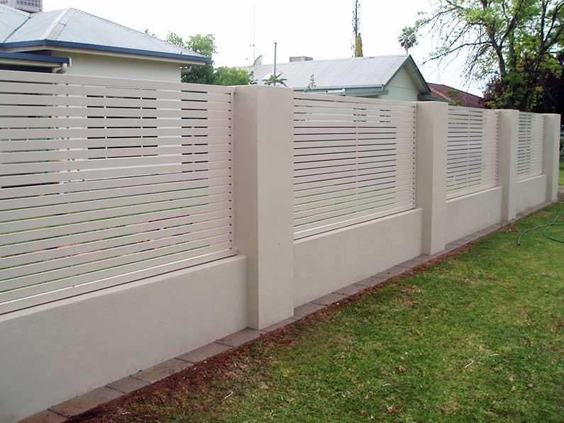 Horizontal-Picket-Panel-in-rendered-wall.jpg
