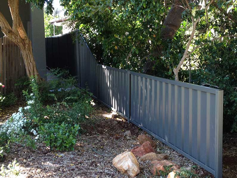 Finishing-the-front-of-a-privacy-fence.jpg