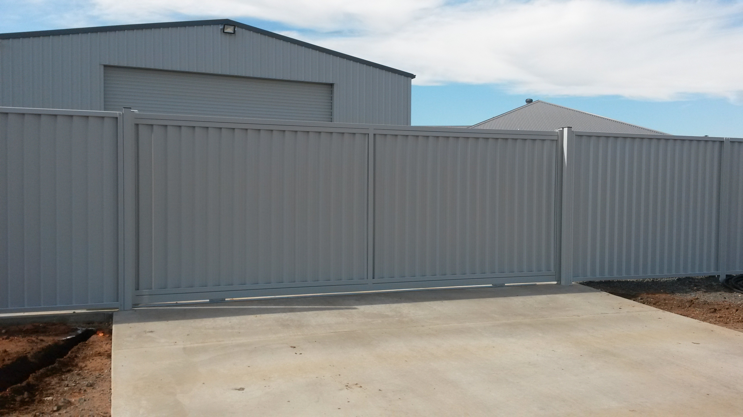 Privacy Panel Automated sliding gate