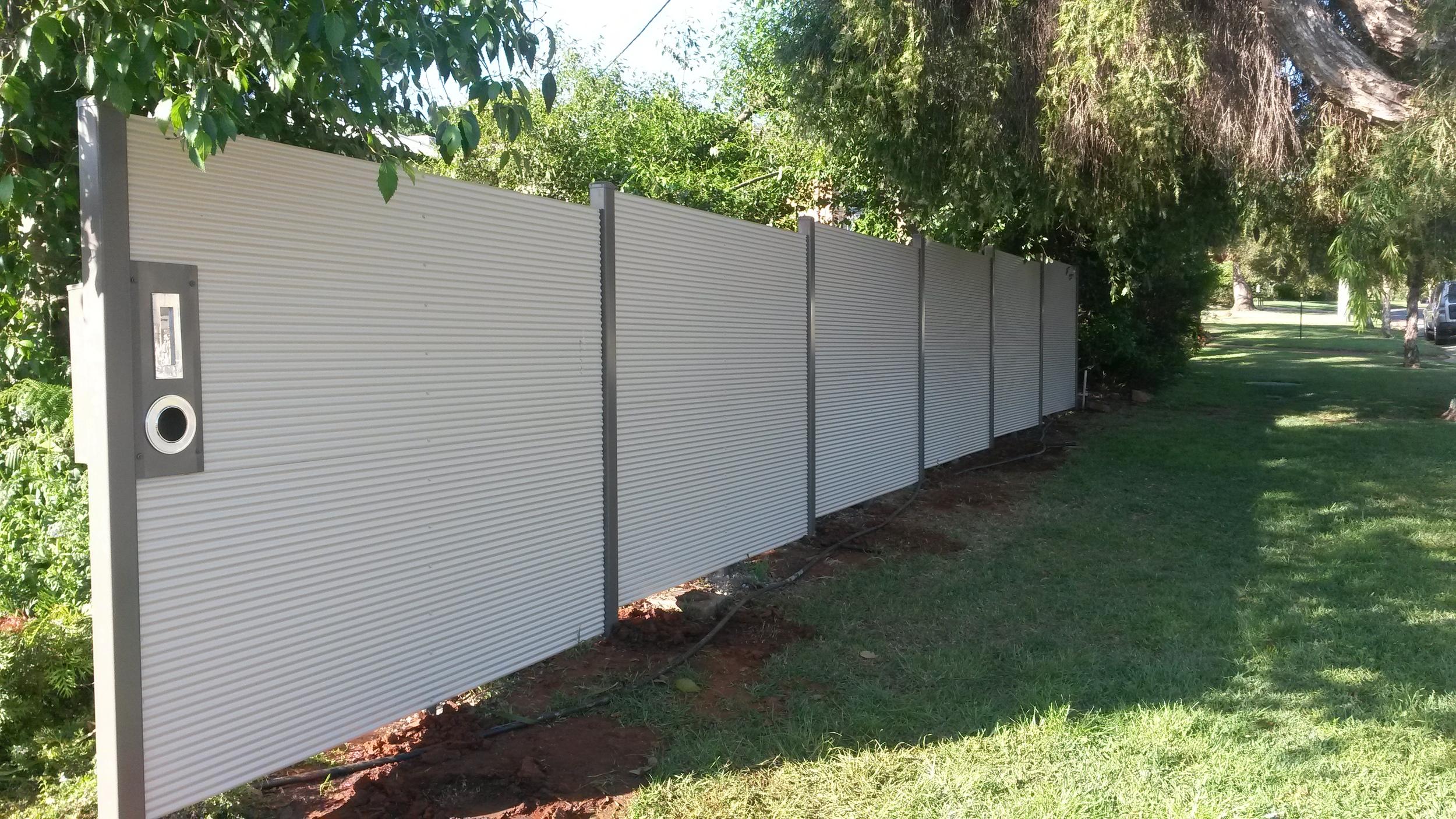 Mini Orb Fence