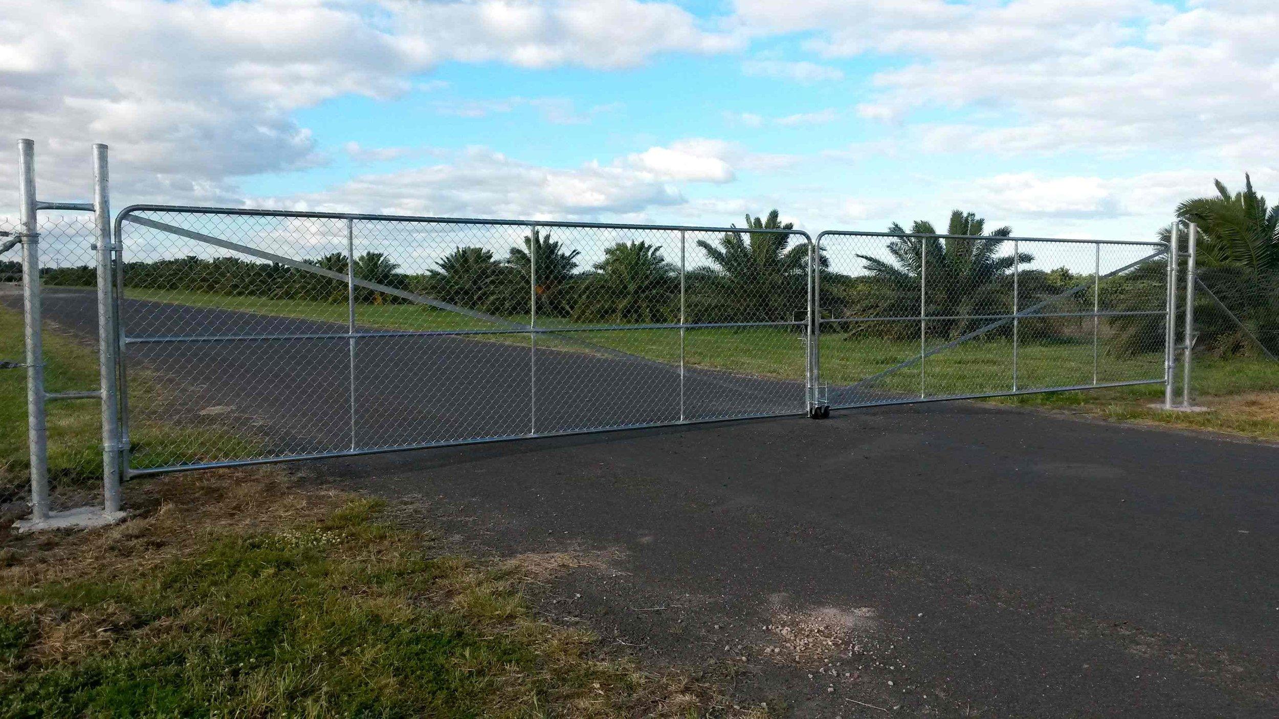 chainwire double gate.jpg