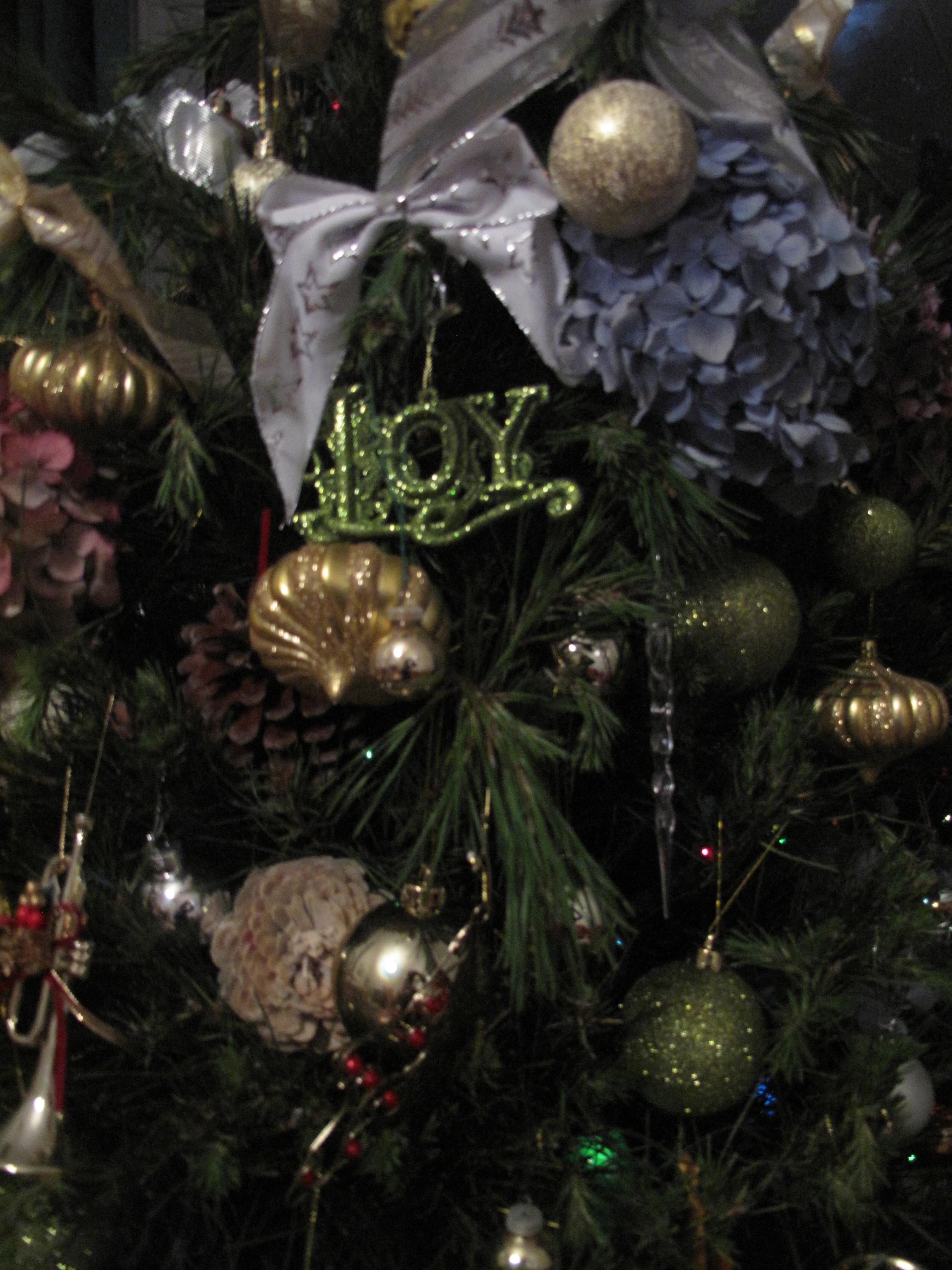 Natalie's vintage Christmas tree