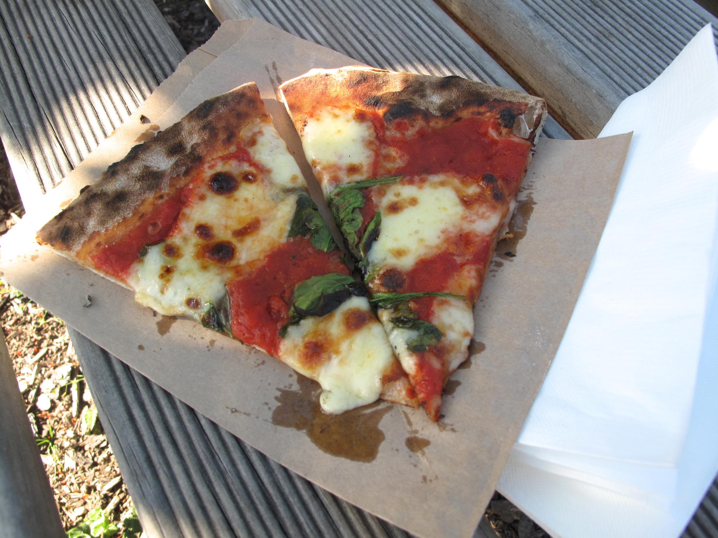 Wood fire Pizza Otago Farmer's Market
