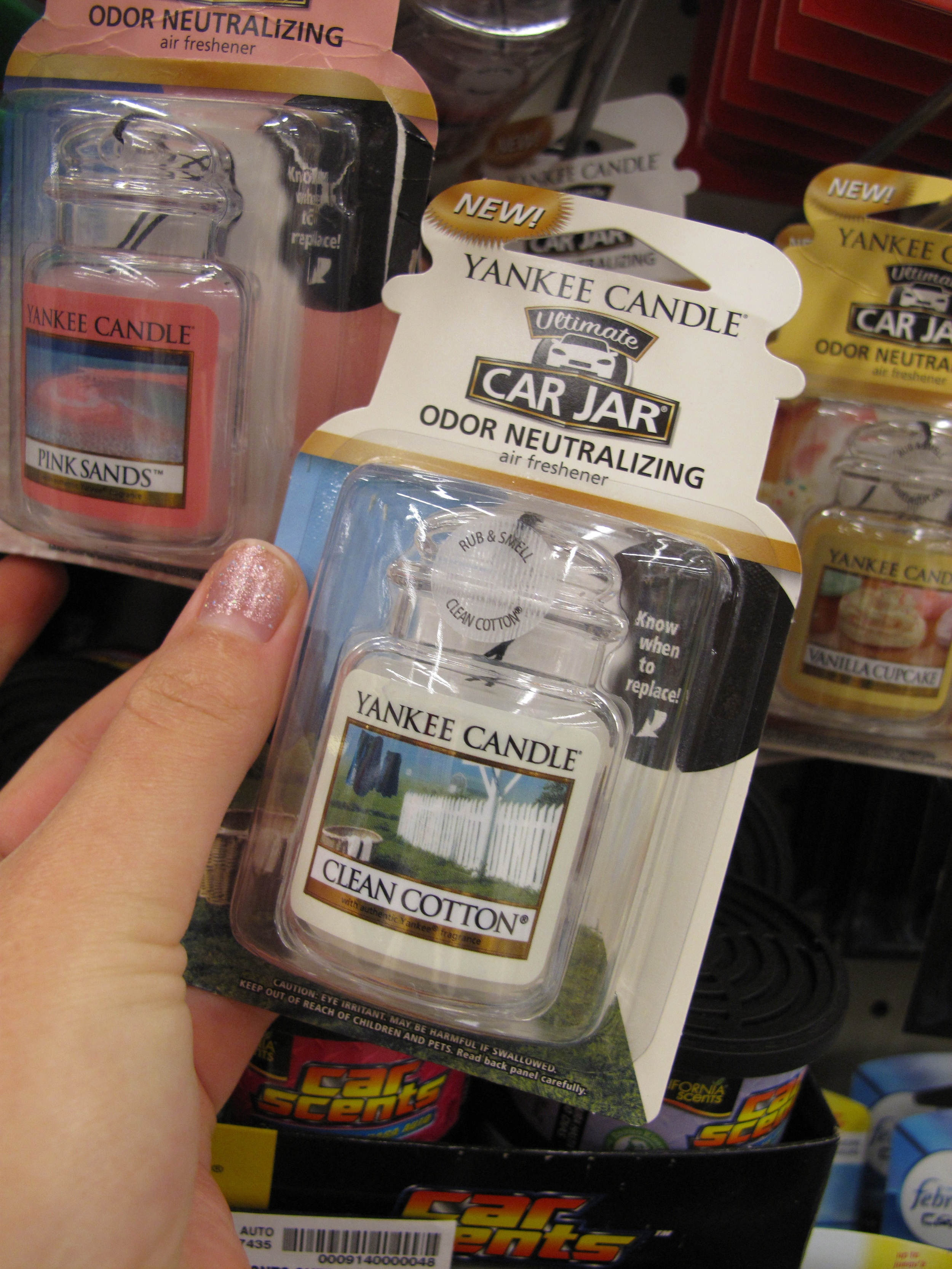 Clean cotton car smell - Yankee Candle