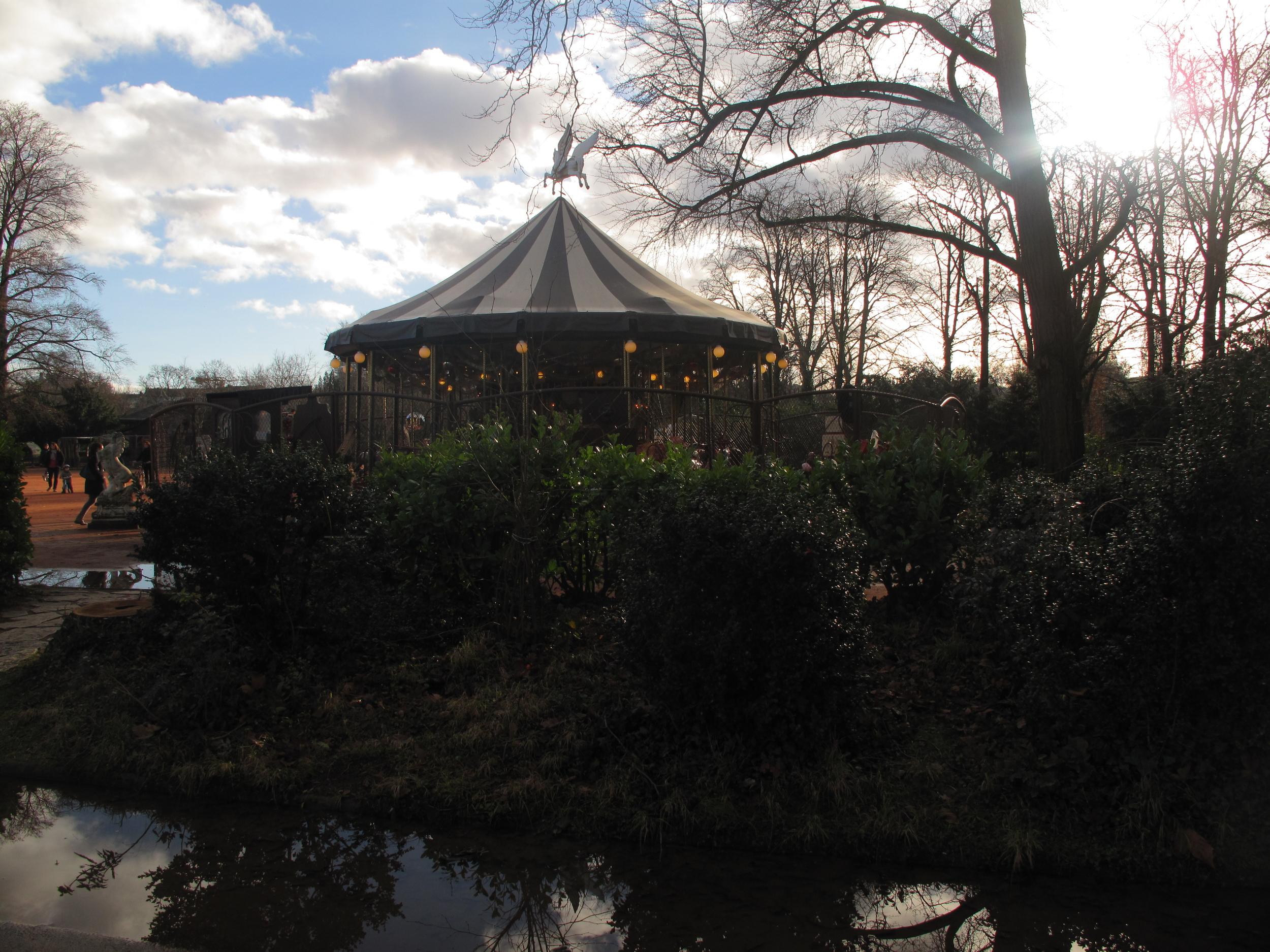 Carrousel and children's park at the Parc de la Tête d'Or