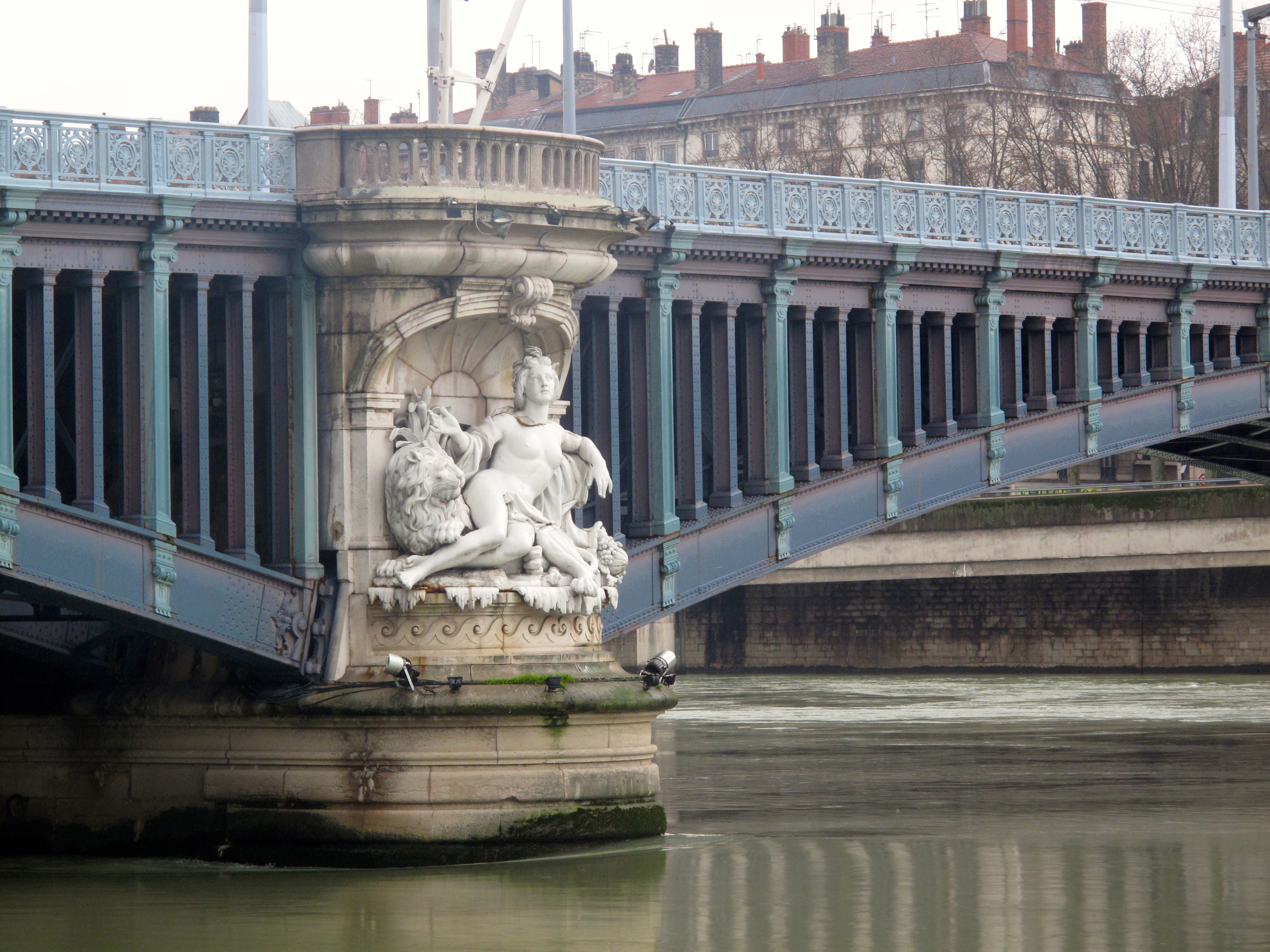 Bridge over the Rhône with carved figures