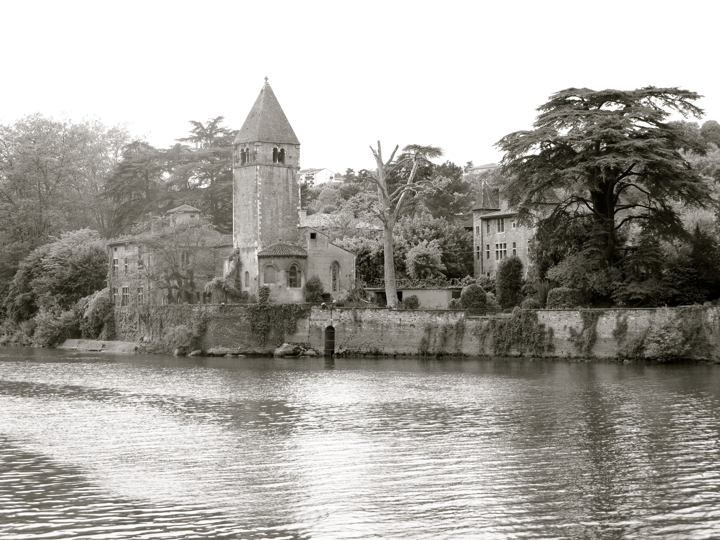 A real life beauty and the beast - an island of chateaus, roses and churches hidden in France