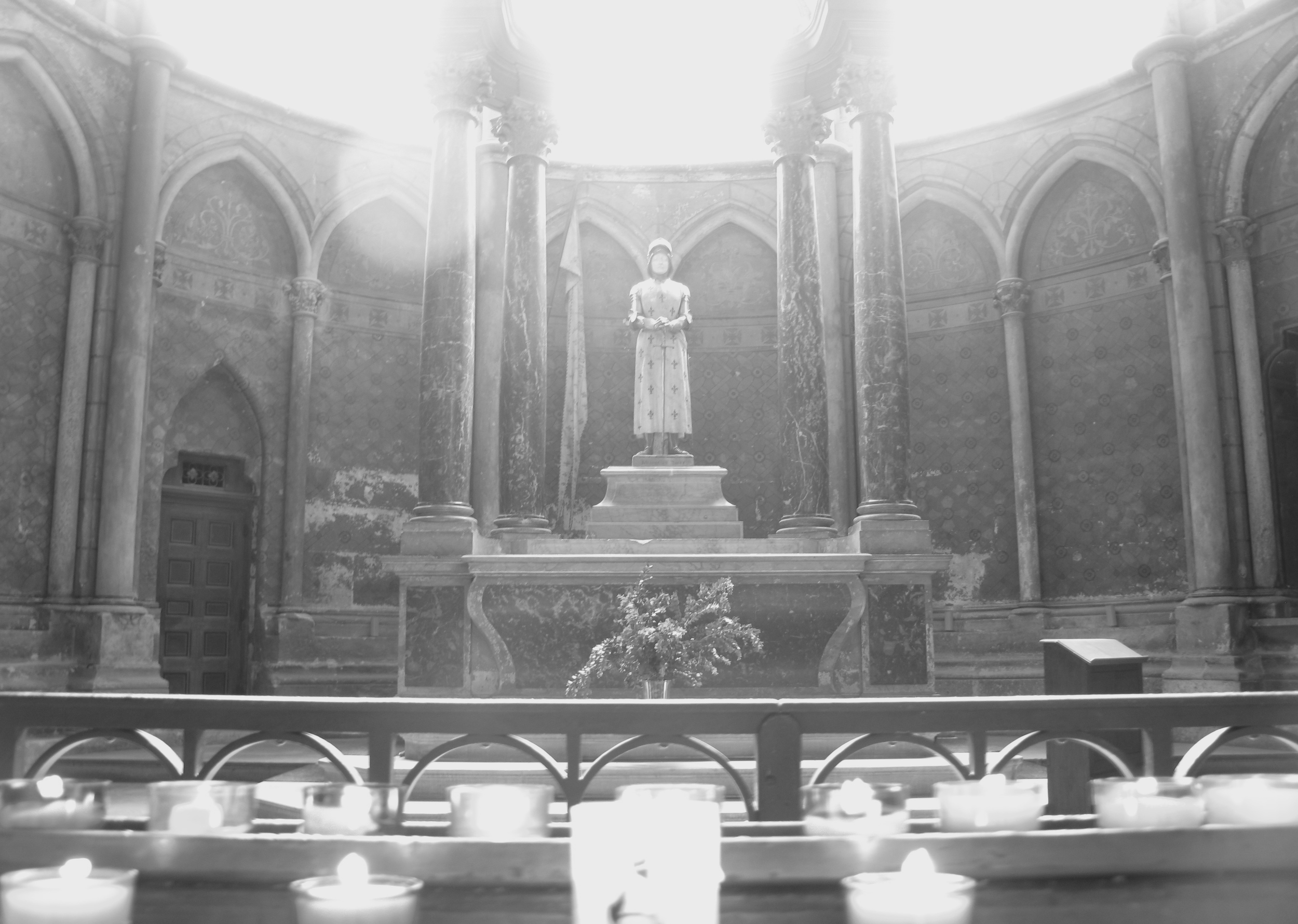 Statue of Joan of Arc in a small chapel at Reims cathedral
