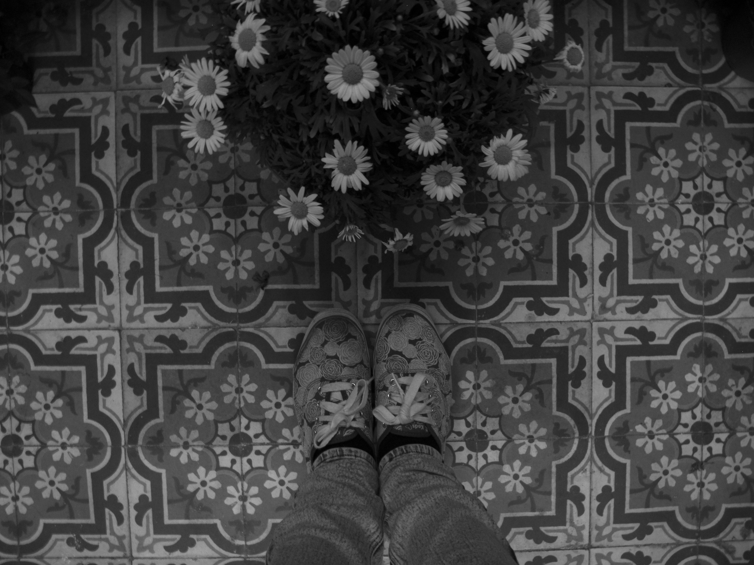 Floor tiles and flowers in Beauvais Cathedral