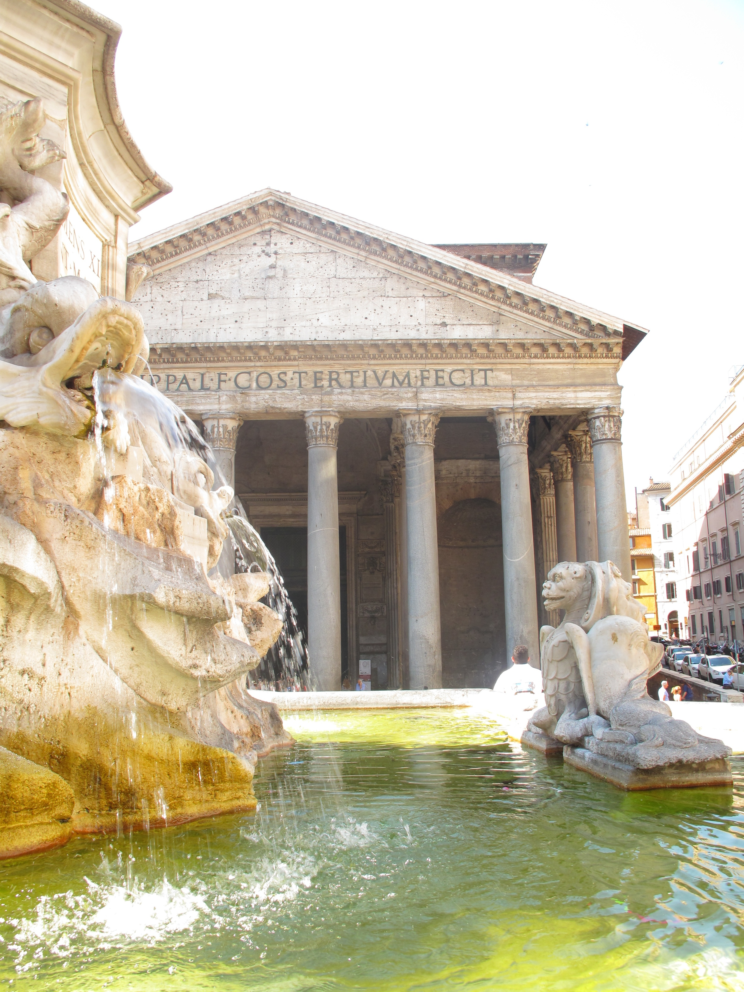 The Pantheon and fountain outside