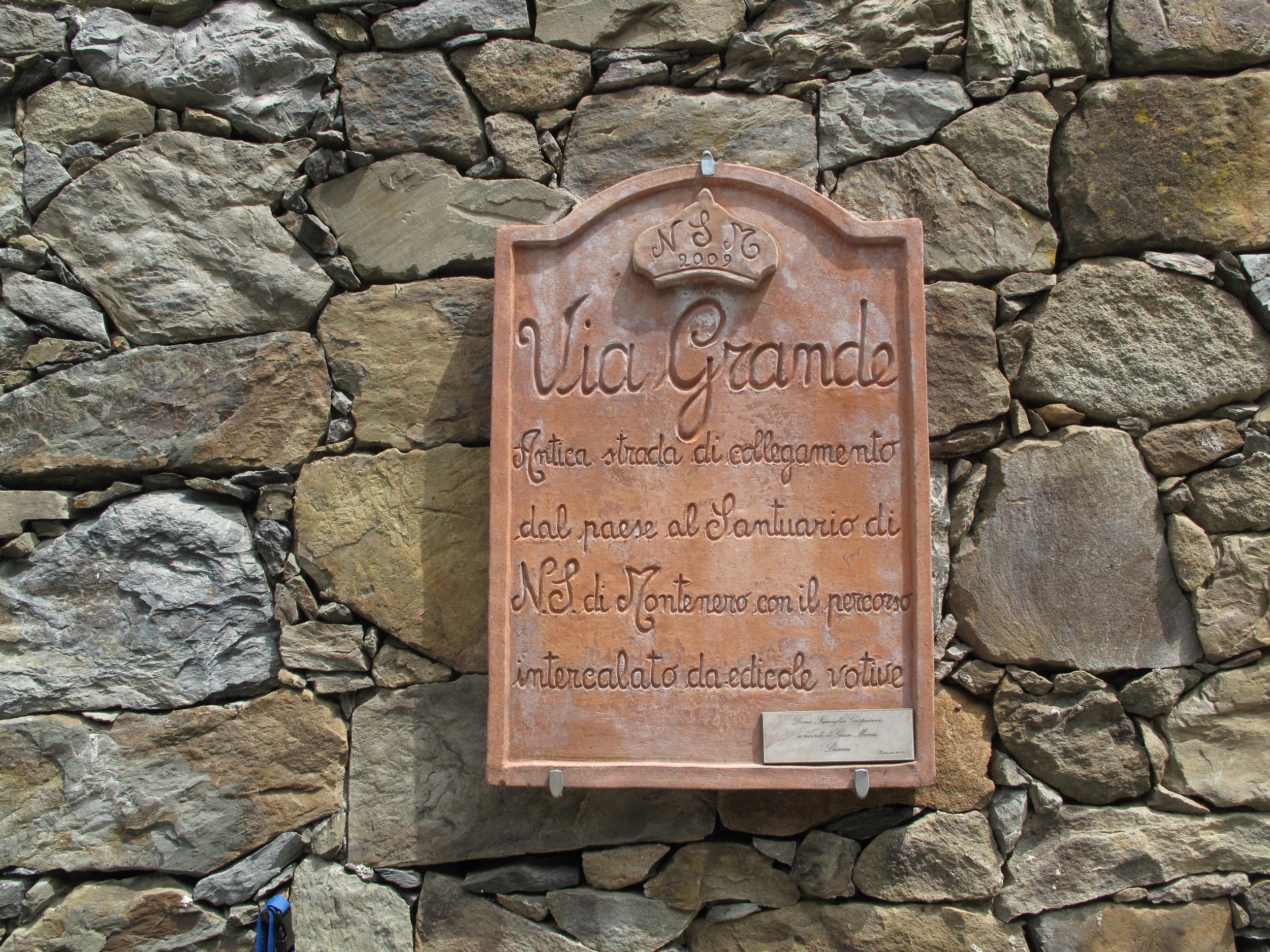 Sign for the Via Grande trail on the Cinque Terre