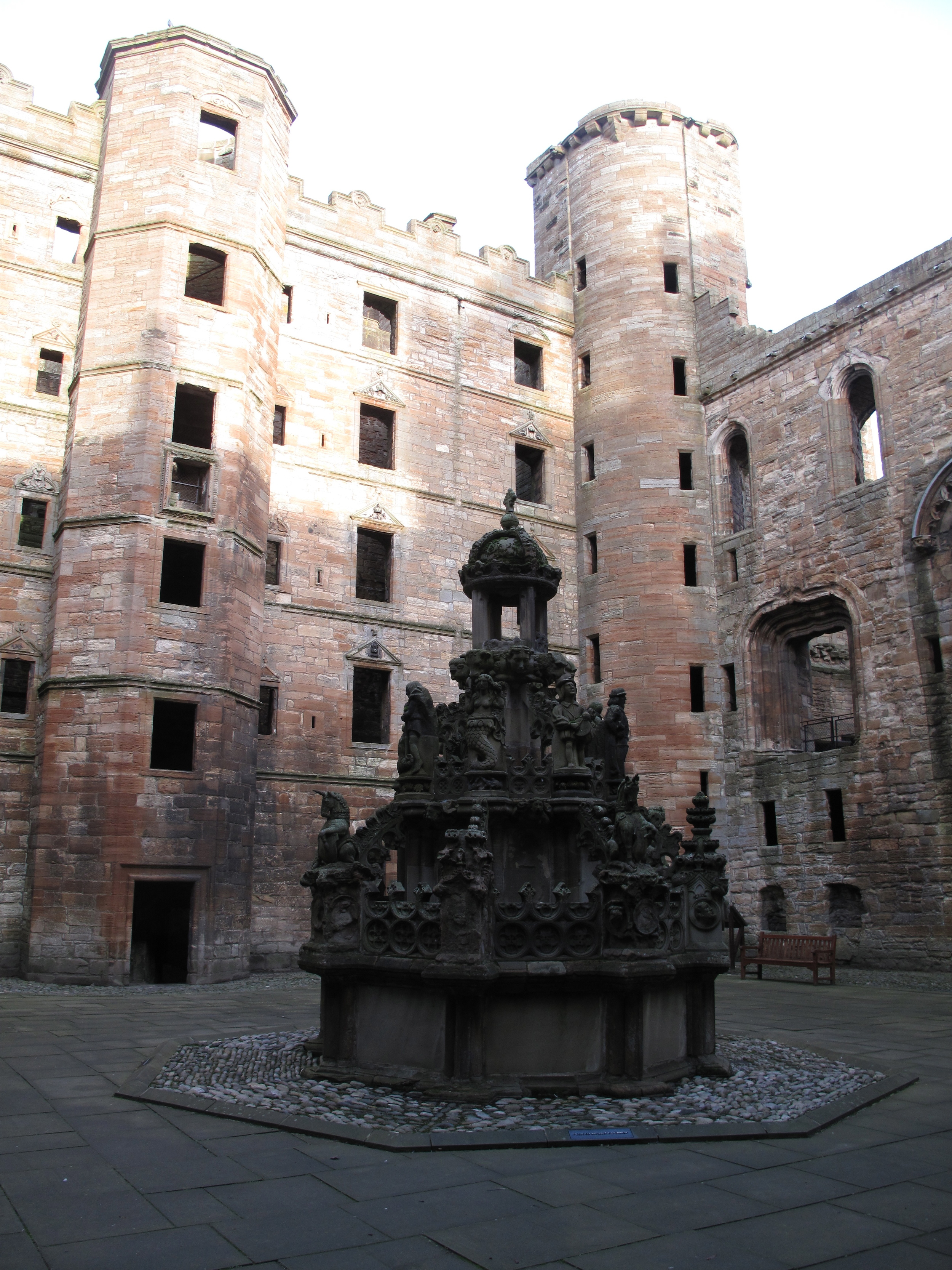 Linlithgow Palace, inner courtyard and fountain.
