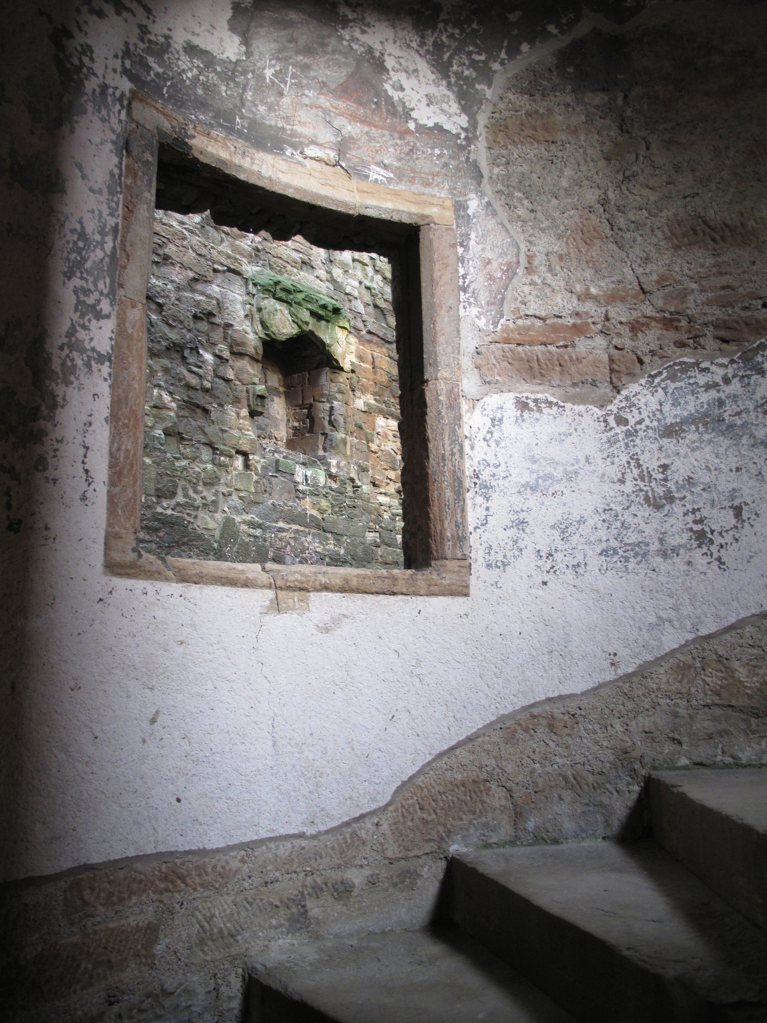 Spiral staircase inside Linlithgow tower.