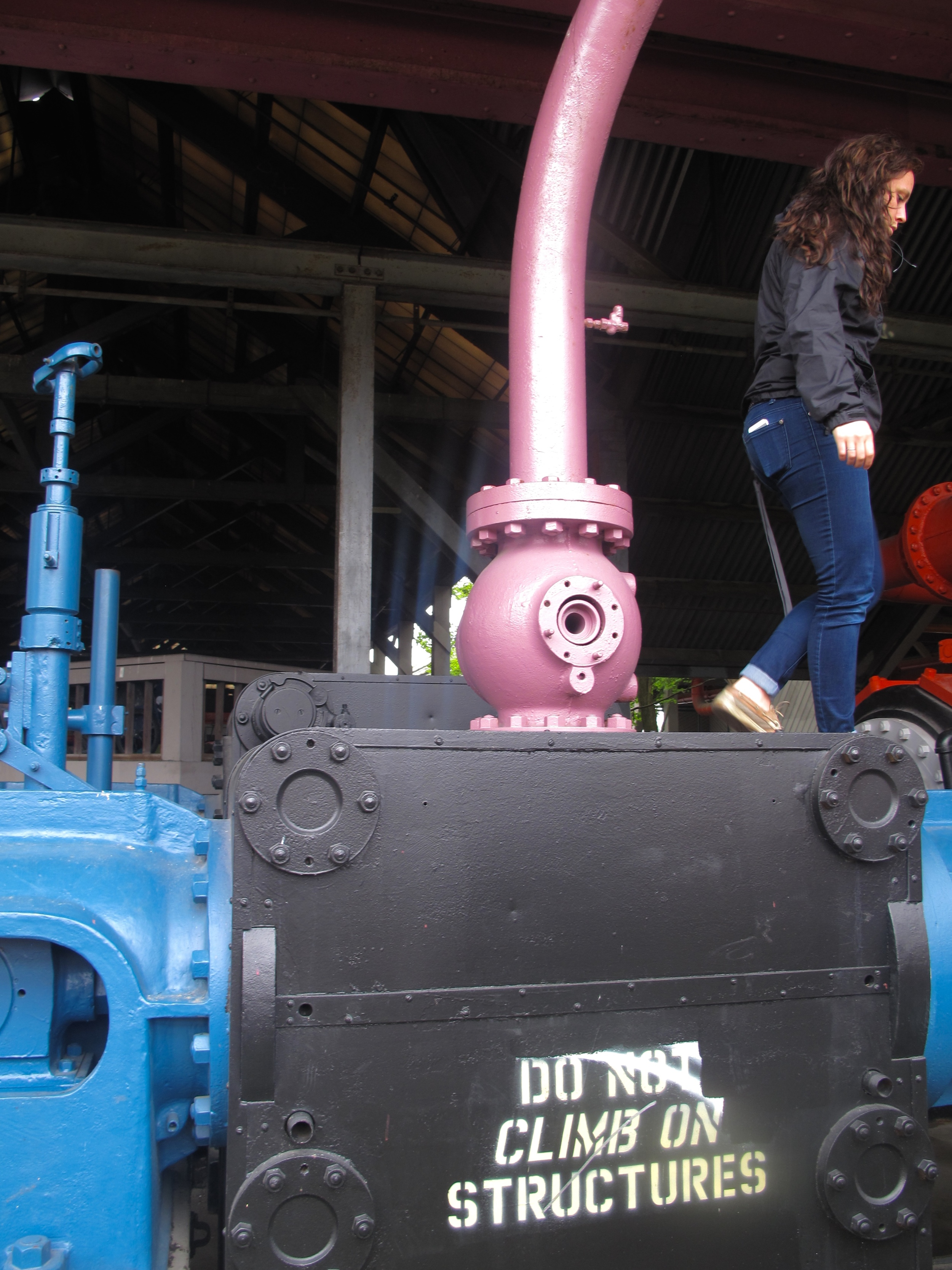 Mucking around on the old machines at Gasworks Park.