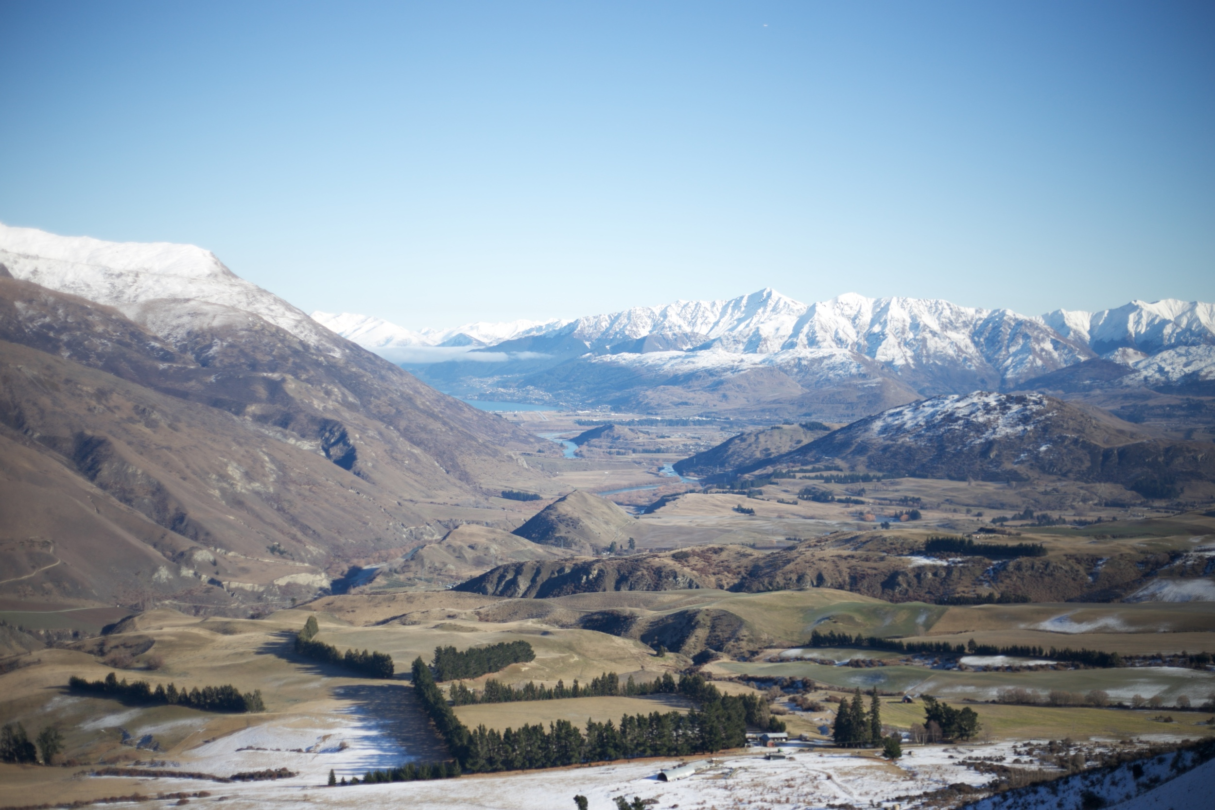Looking out over the Crown Range - New Zealand looks like the true Middle Earth