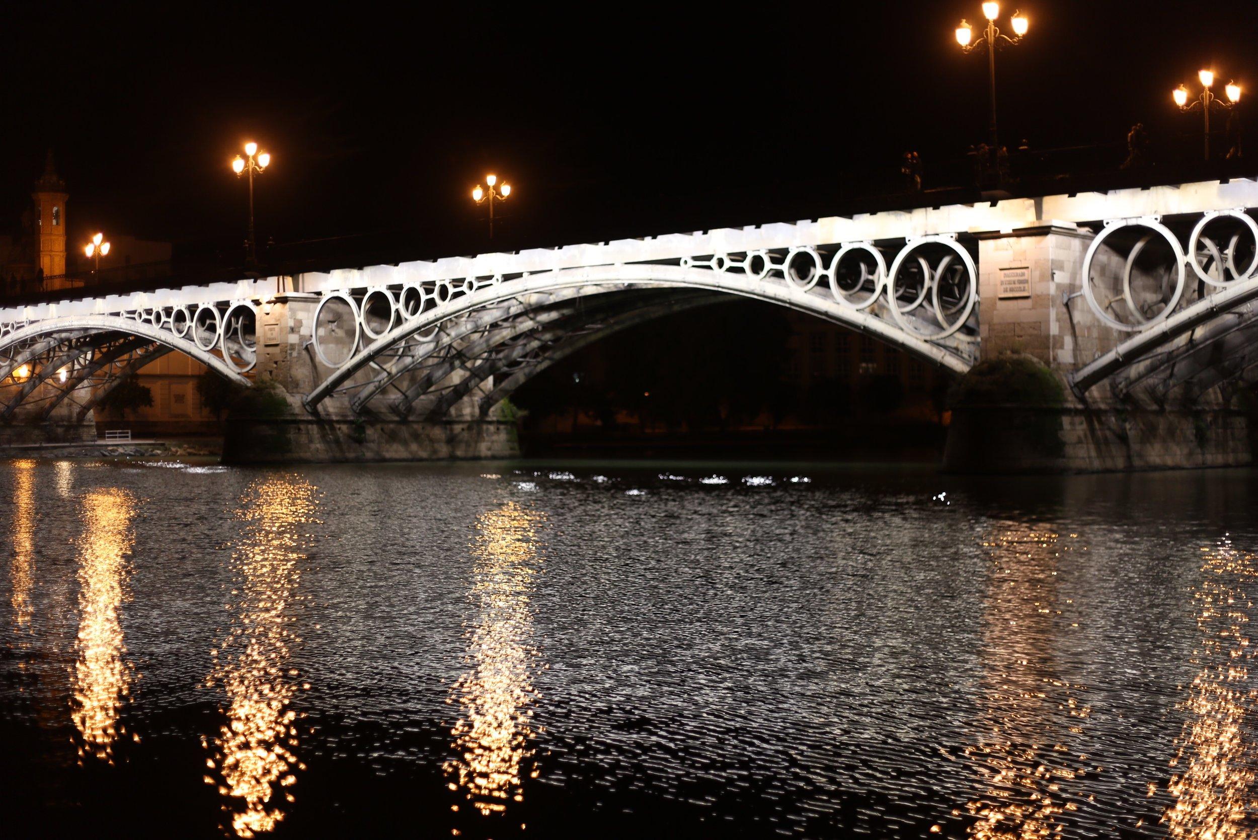 isabella bridge at night
