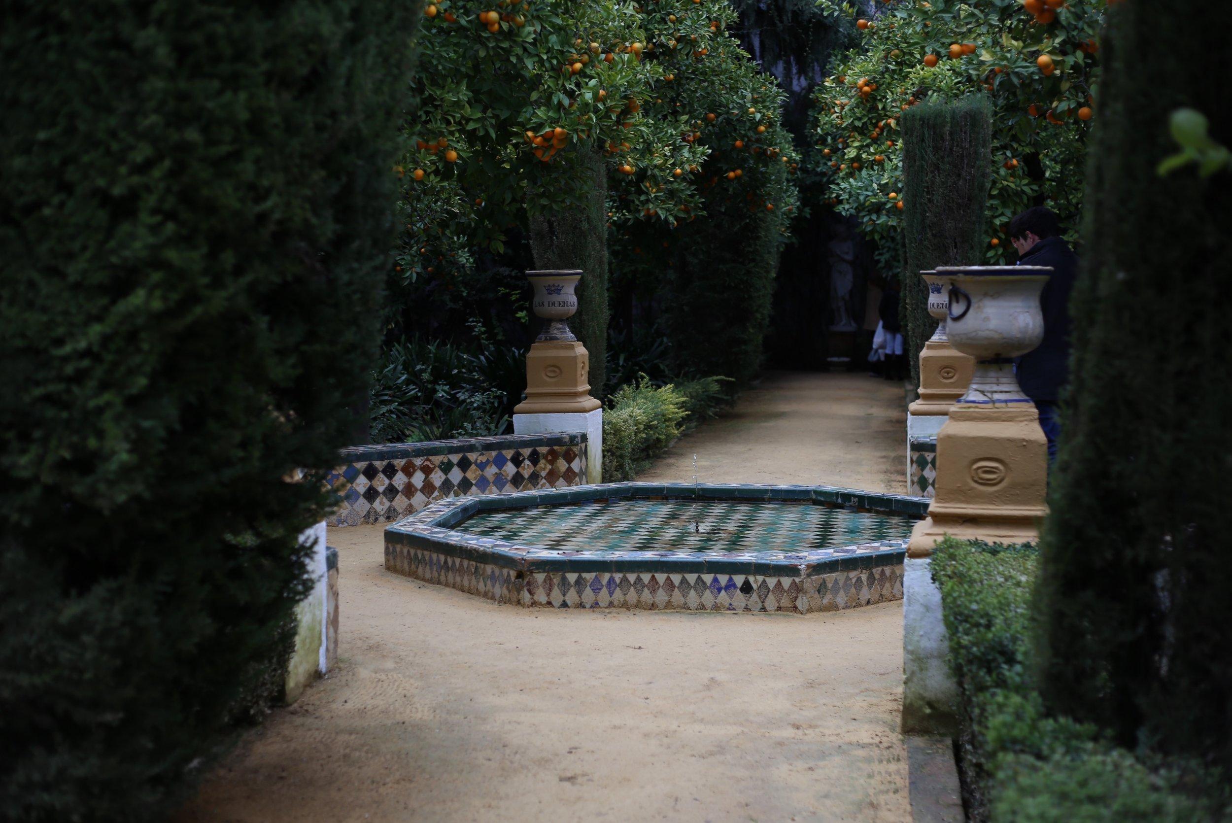 palacio de las duenas garden