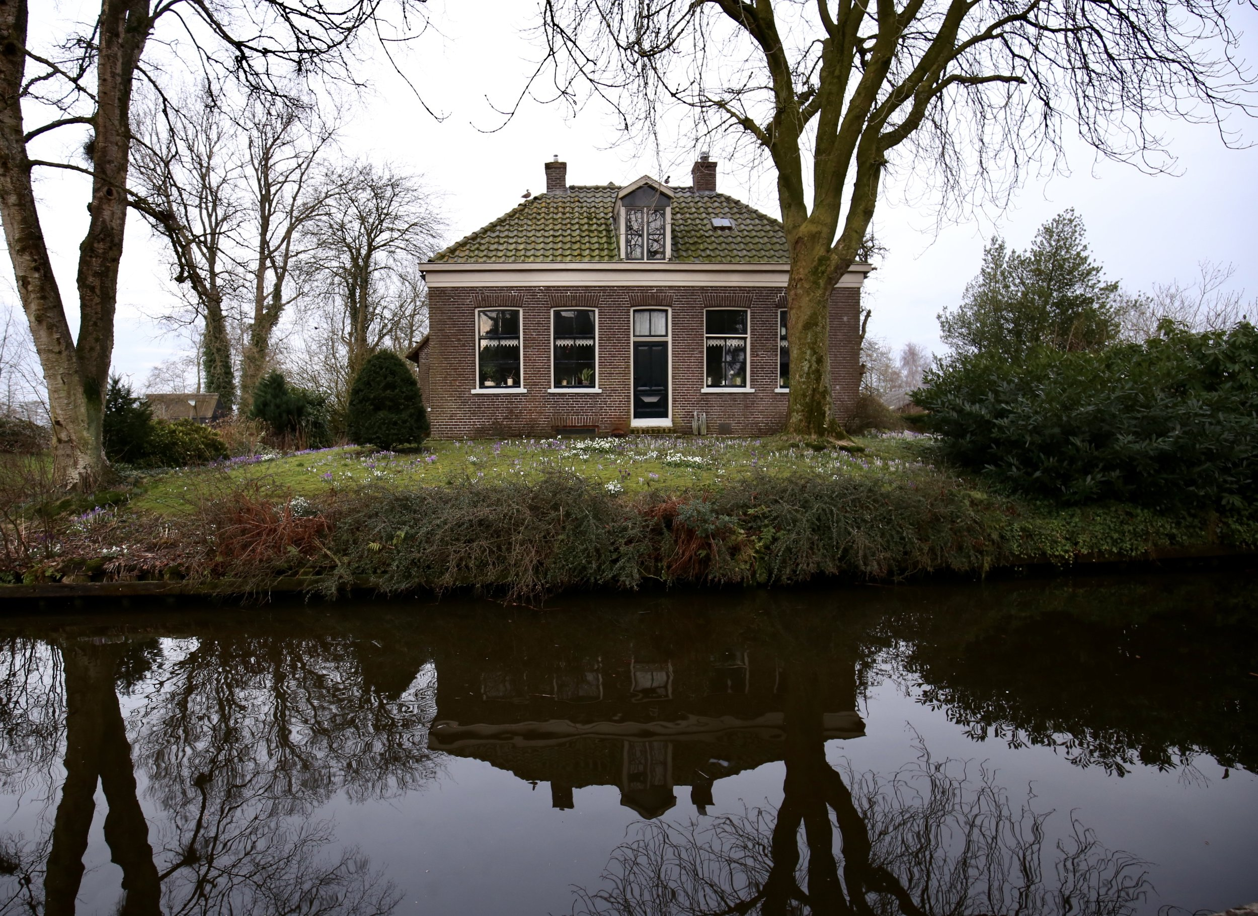 Giethoorn village of canals and water in the Netherlands