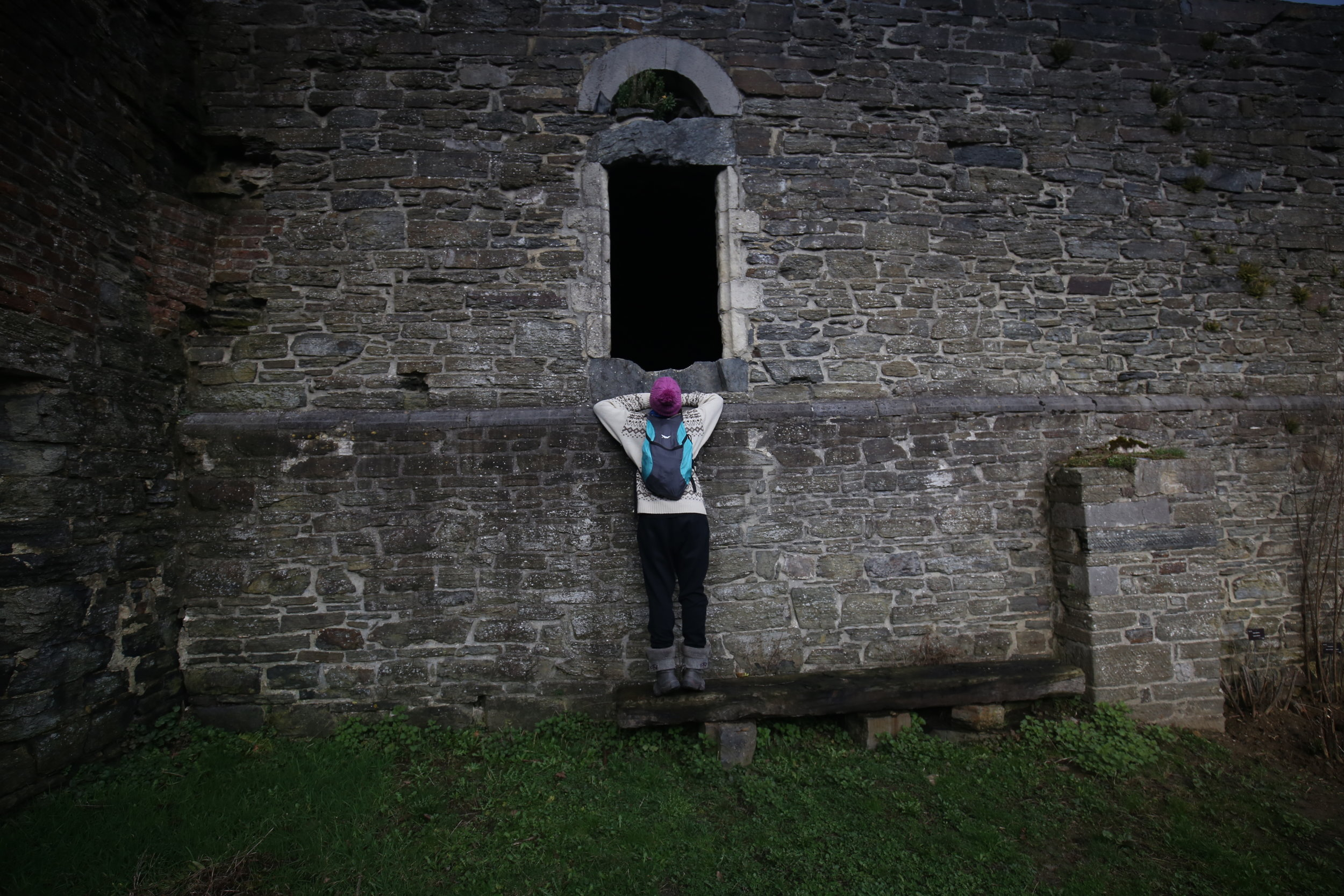 Hide and seek with the ghosts of Abbaye de Villers.