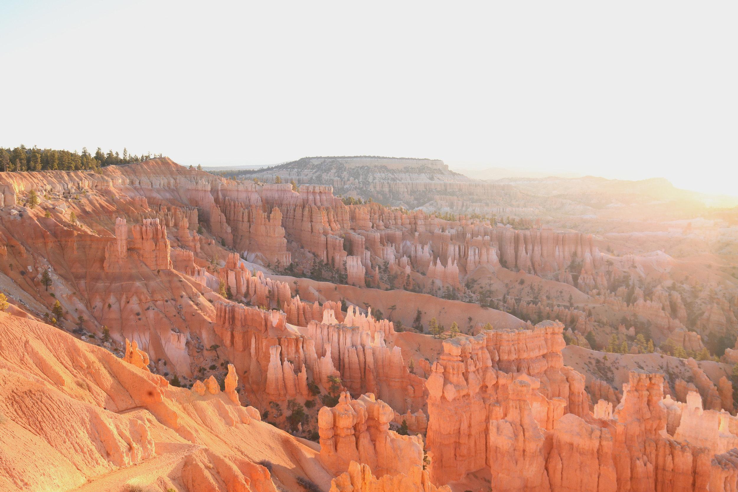bryce-canyon-sunrise