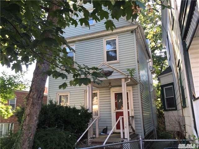 39-14 Murray St, Flushing, NY 11354 - $980,000