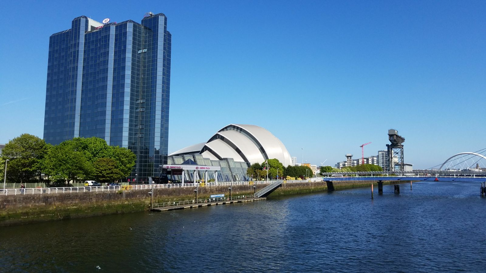 Walkabout along the River Clyde