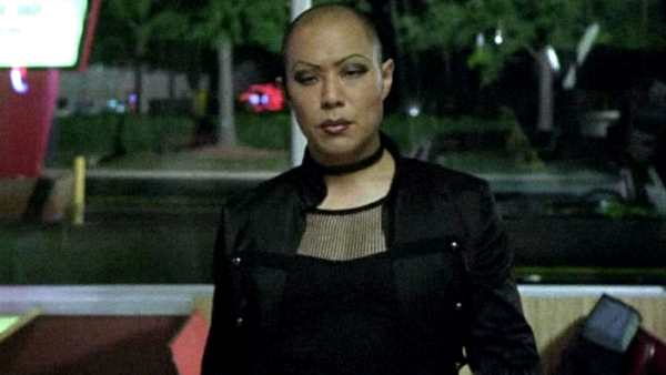 Job (Hoon Lee) is not only a hacker, he is also talented with his fists and guns in addition to being a crossdresser, making him different than the typical hacker character.