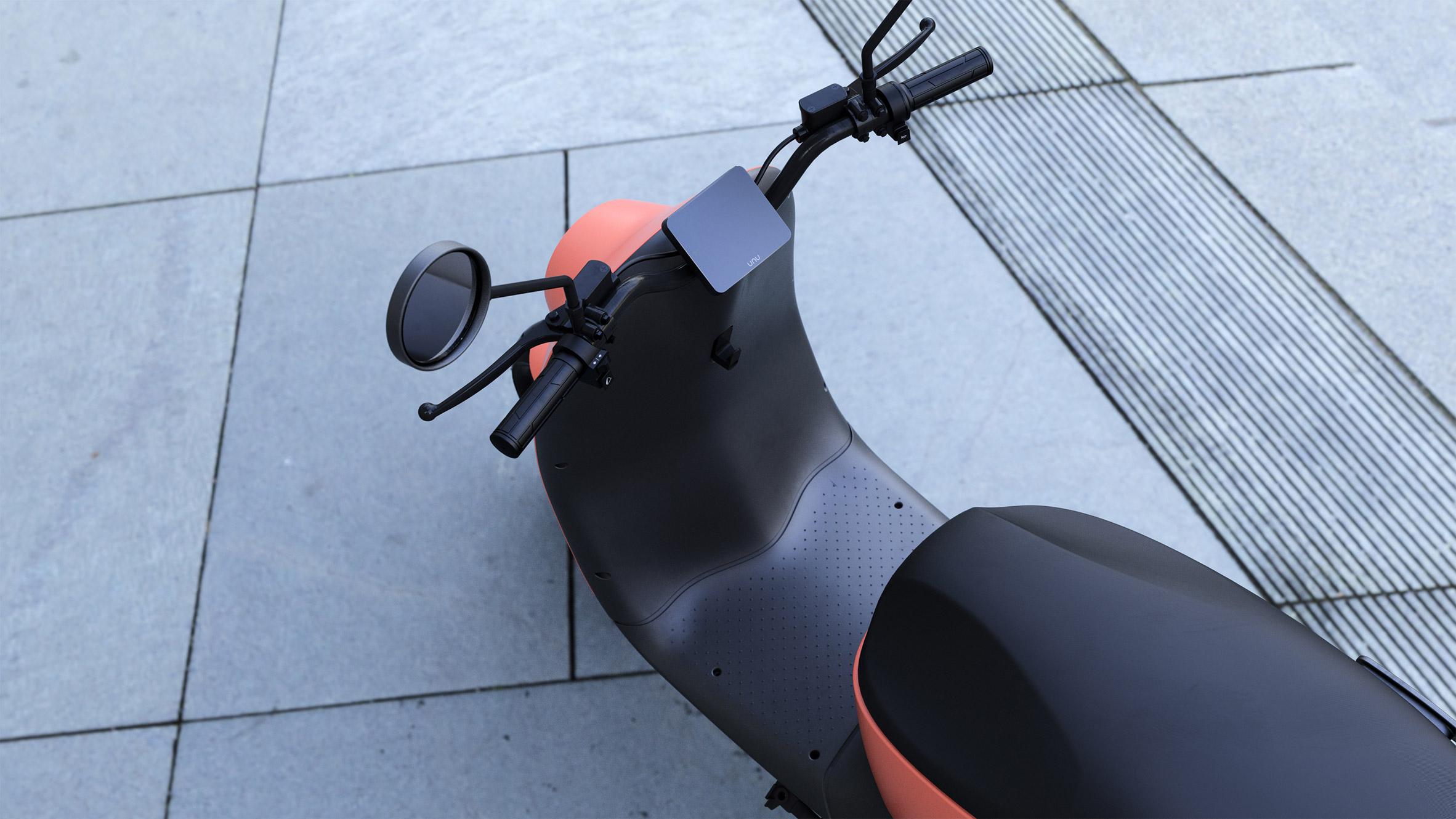 Unu-scooter_dezeen_2364_col_9.jpg
