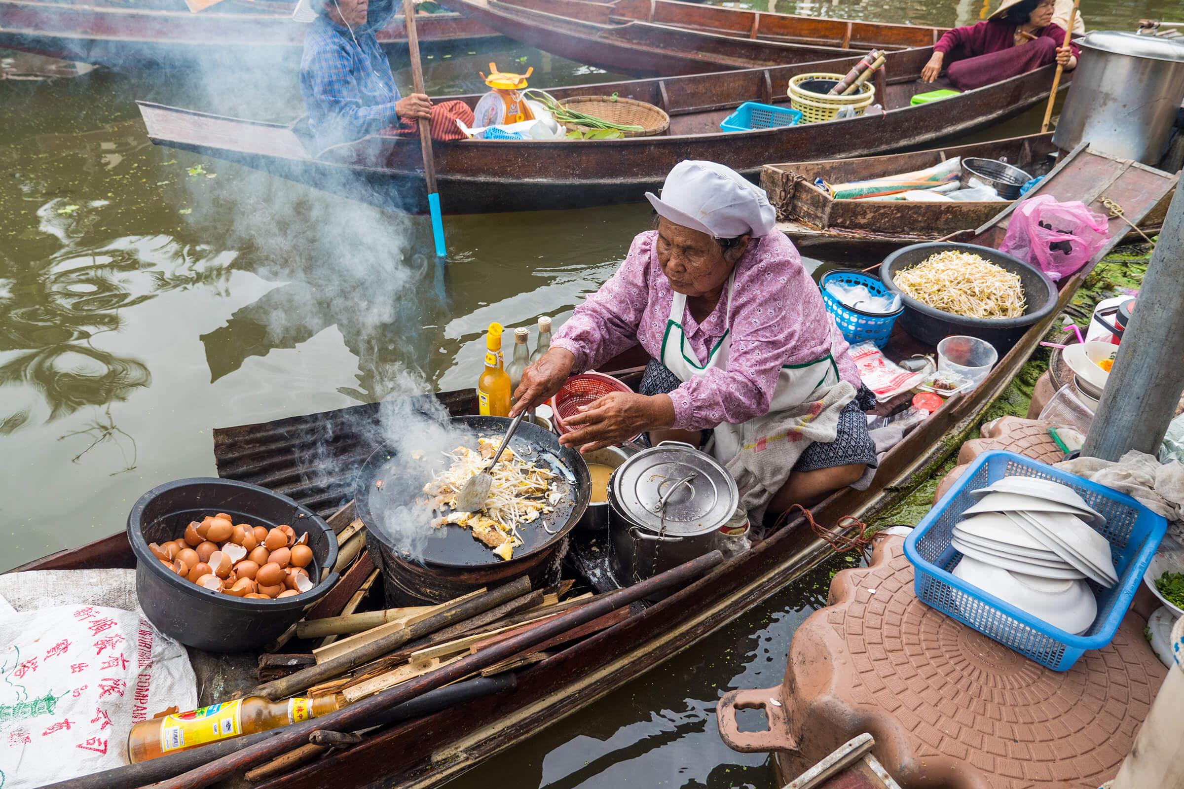 Four Travel Trends for 2017 Street Food Bangkok