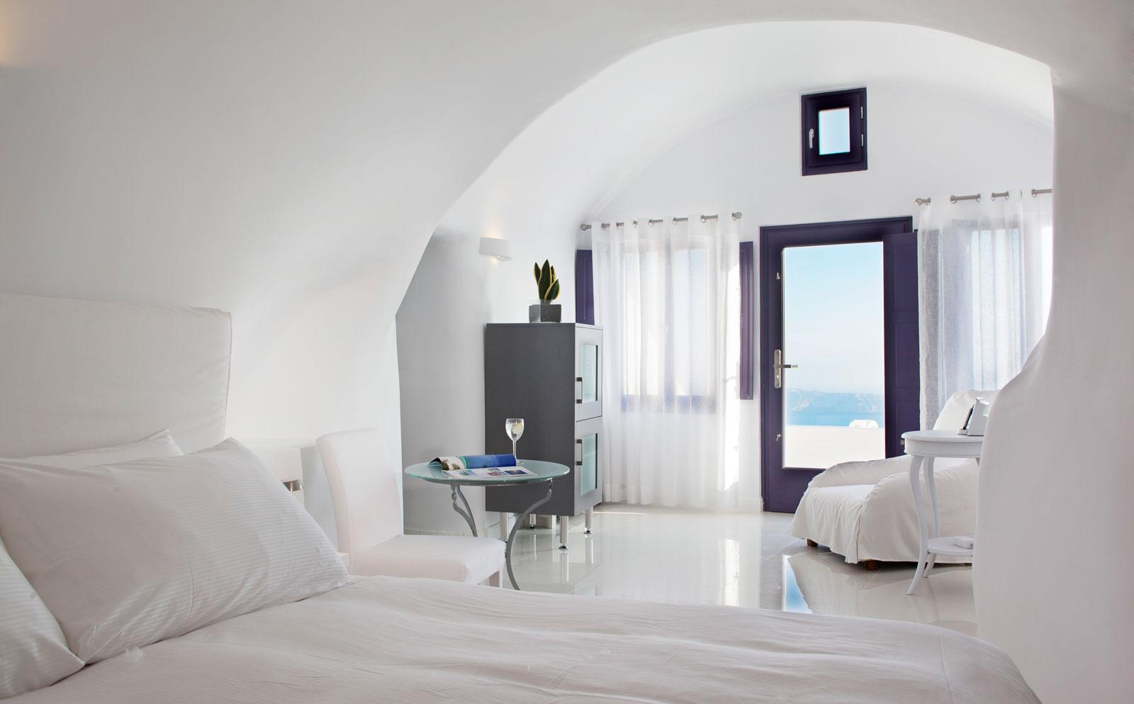 Chromate Santorini, Where to Stay in Greece.