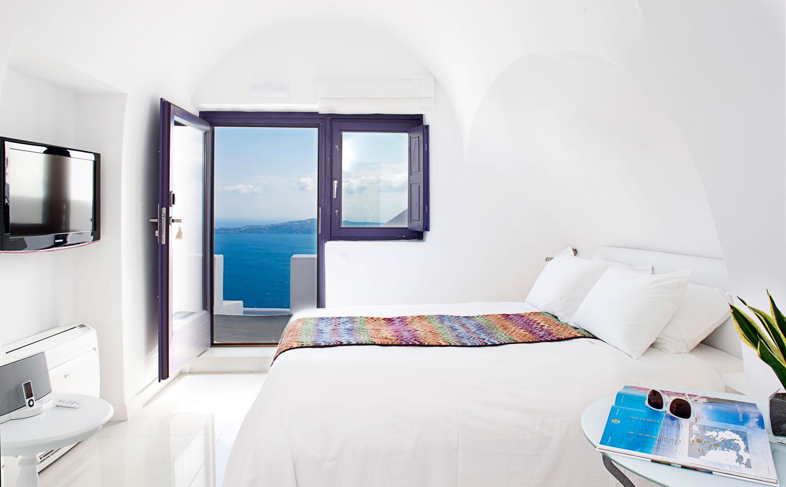 Where to stay in Santorini, Chromata 5* Hotel
