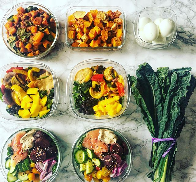 Finally back in the kitchen after traveling and excited for this planty meal prep!  Chick pea and collards curry // Roasted squash // Hard boiled eggs // Black bean Mexican salad // Everything but the bagel salad // What are you cooking this week?