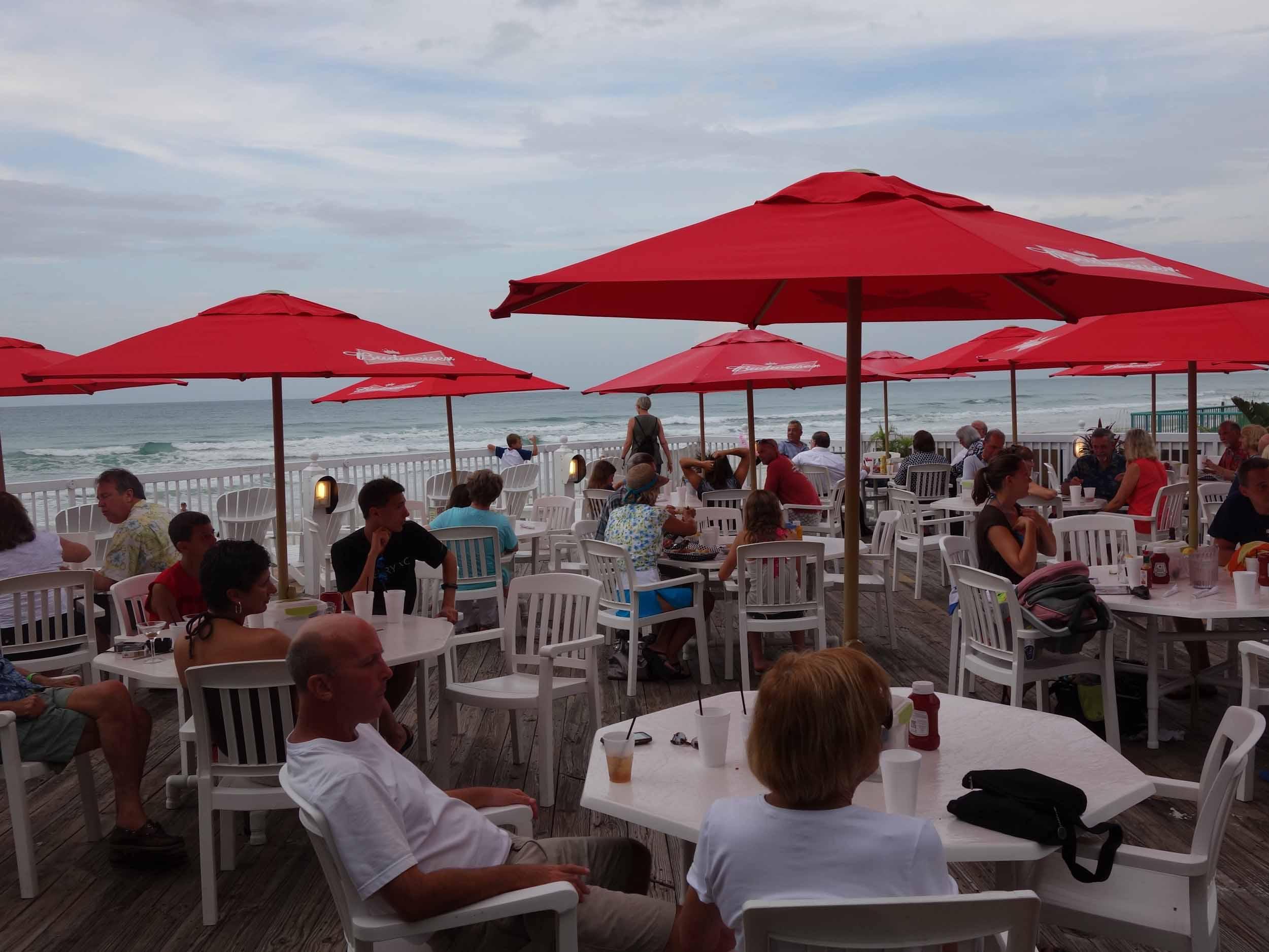 Racing's north turn beach bar
