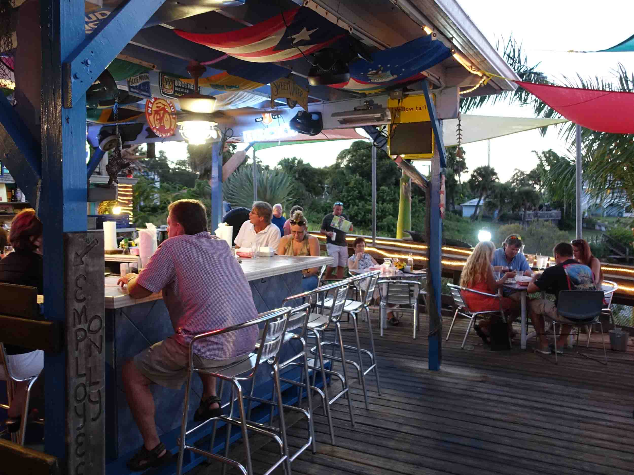Bonefish Willy's Riverfront Grille Exterior Bar