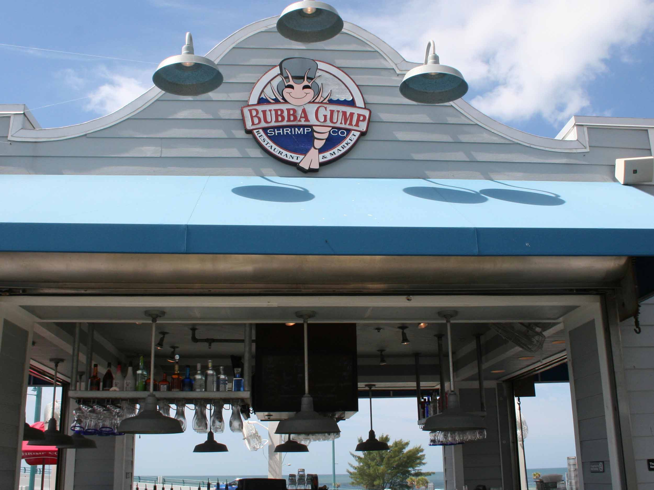 Bubba Gump Shrimp Co Outside Bar