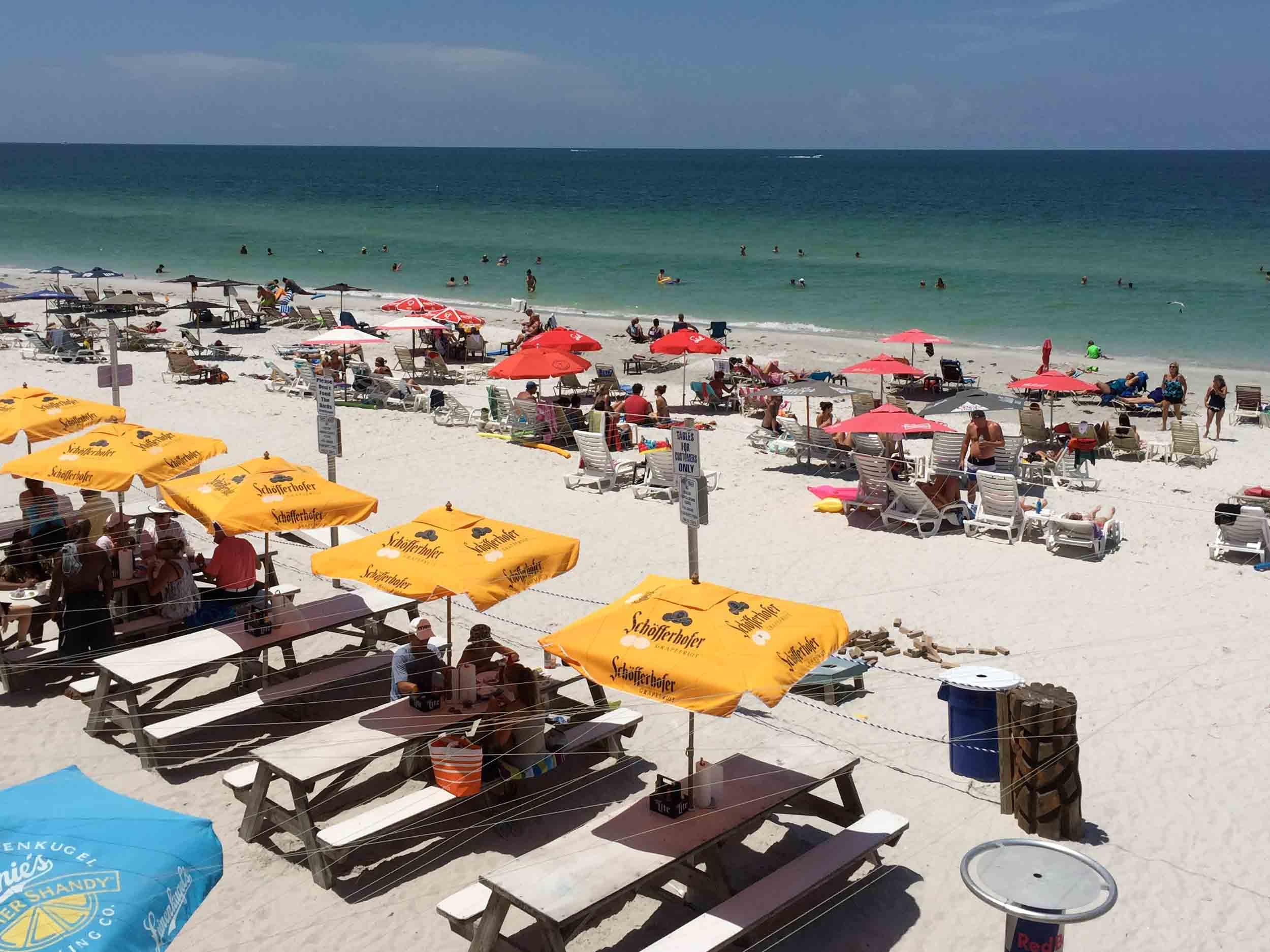 Caddy's on the Beach Tables