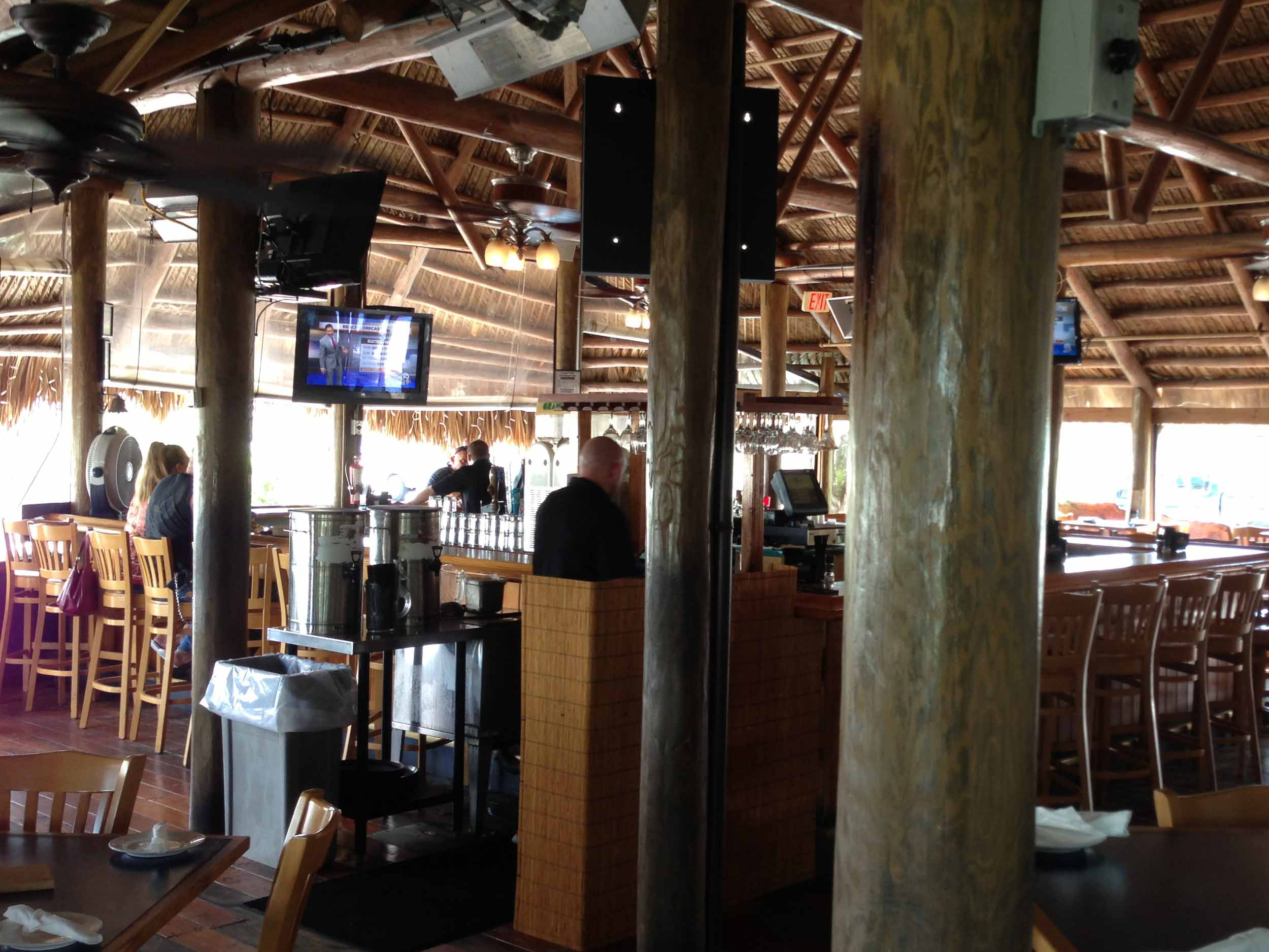 Cobb's Landing Interior Bar