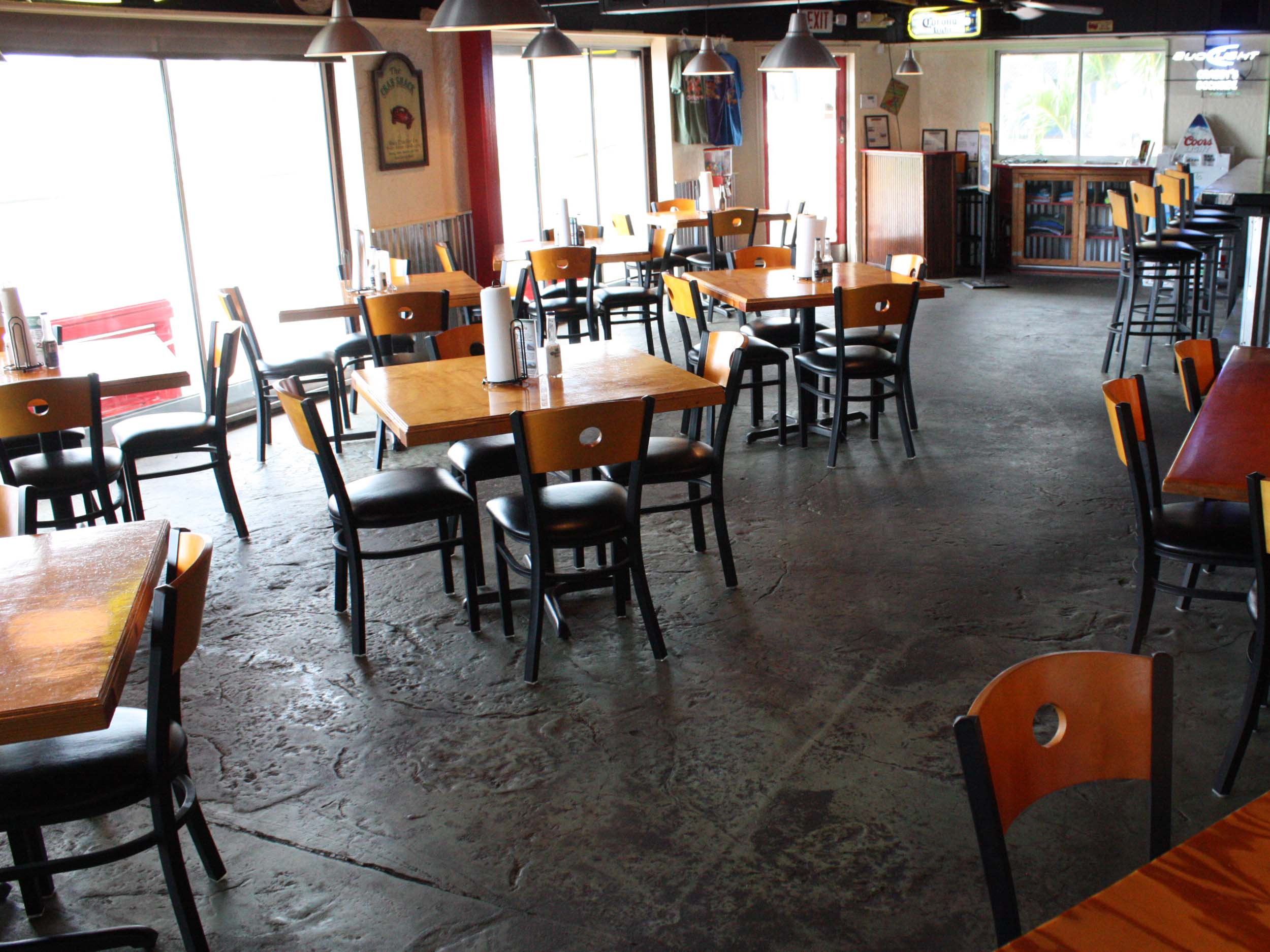 Crab Daddy's Interior Seating Area