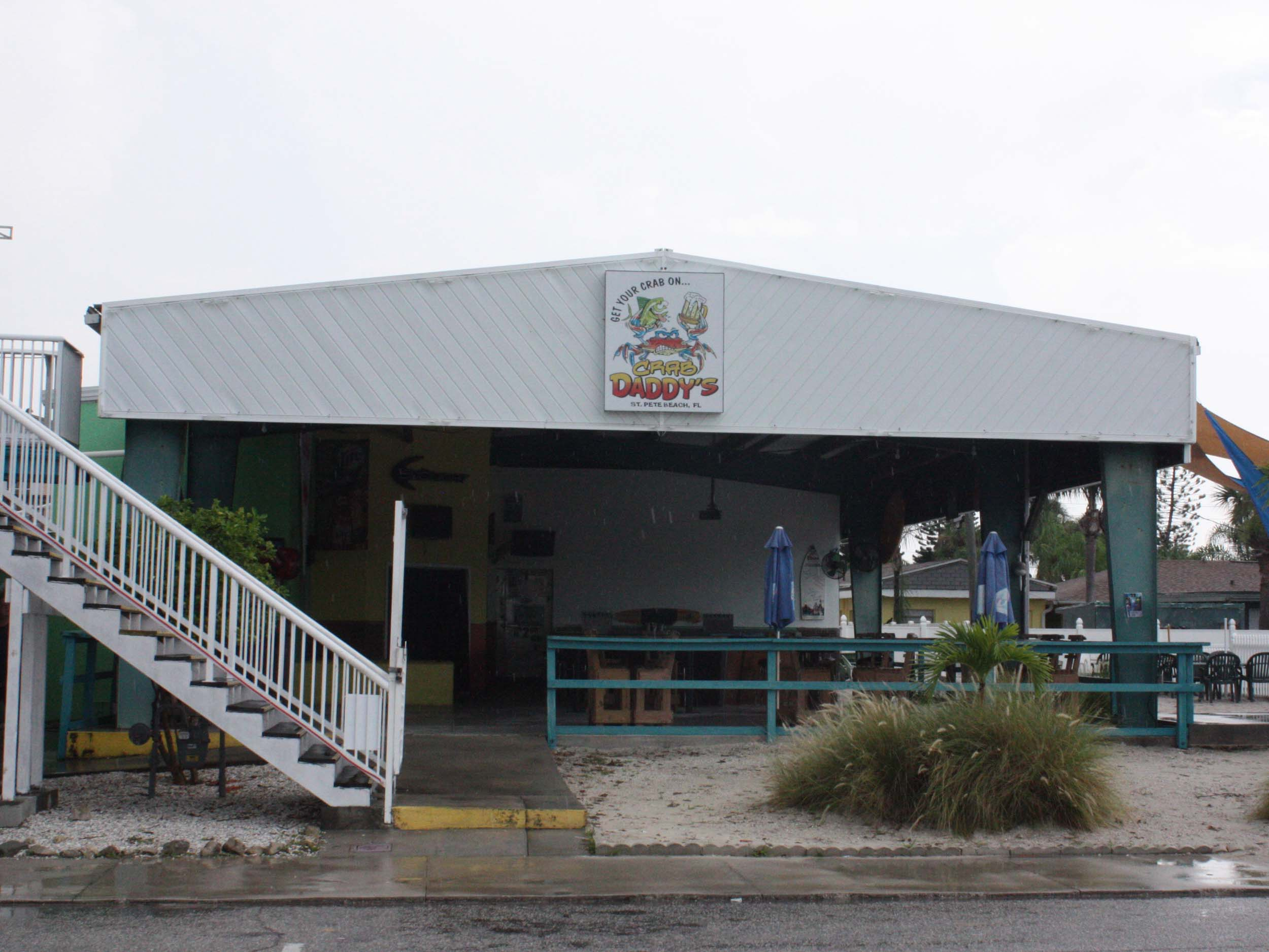 Crab Daddy's Outside Bar