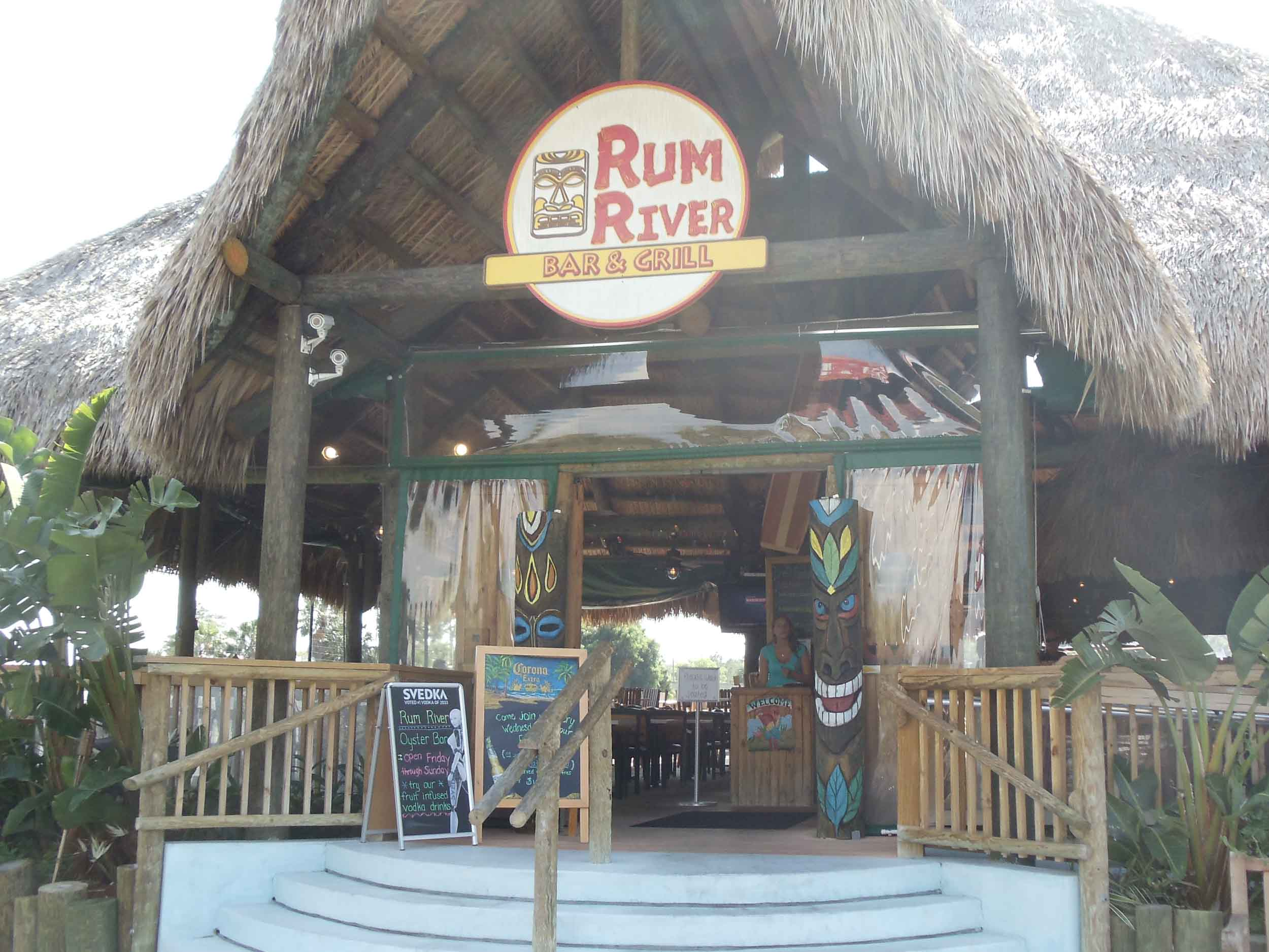 Rum River Bar and Grill Entrance