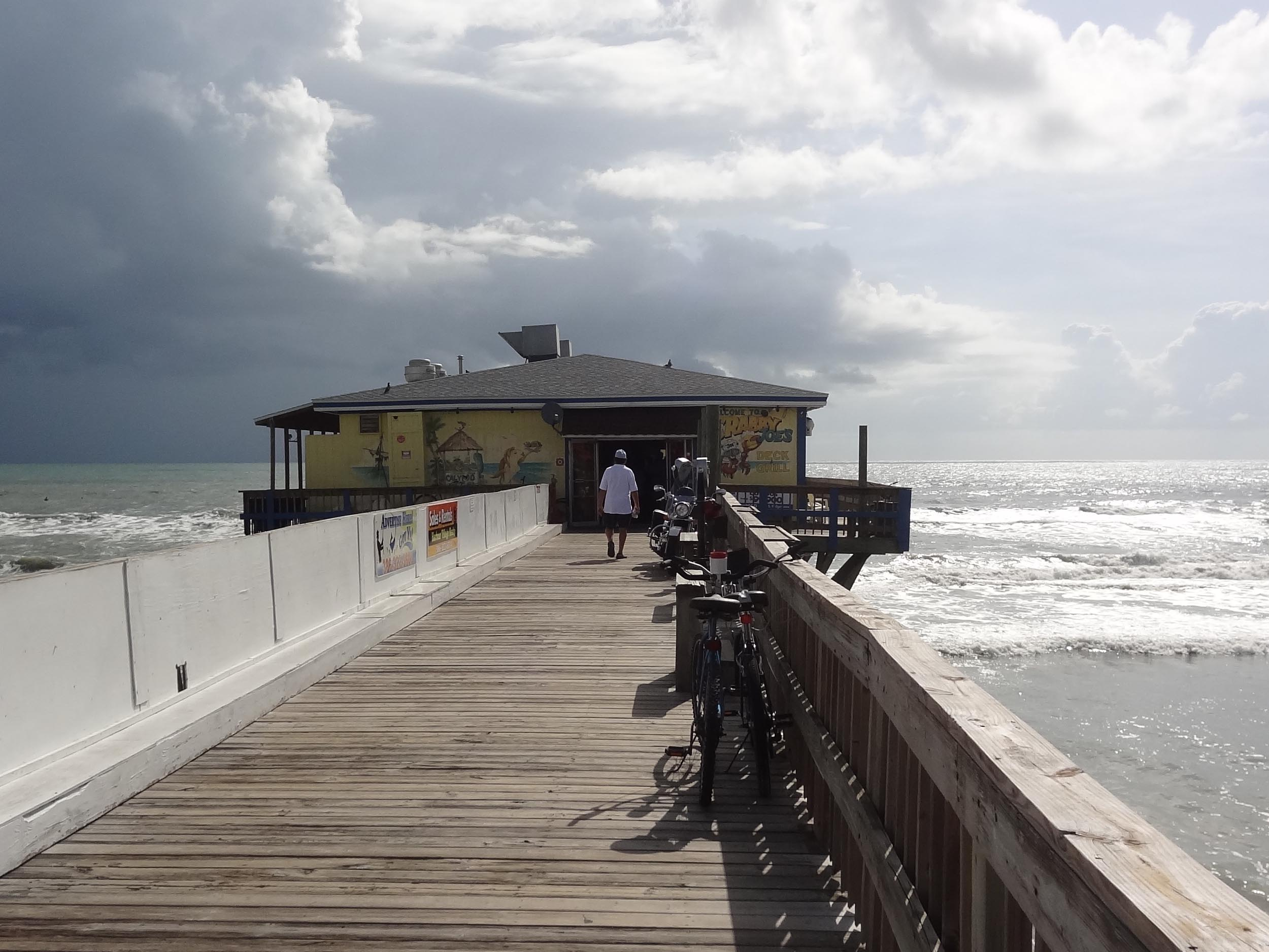 Crabby Joe's Deck and Grill Pier