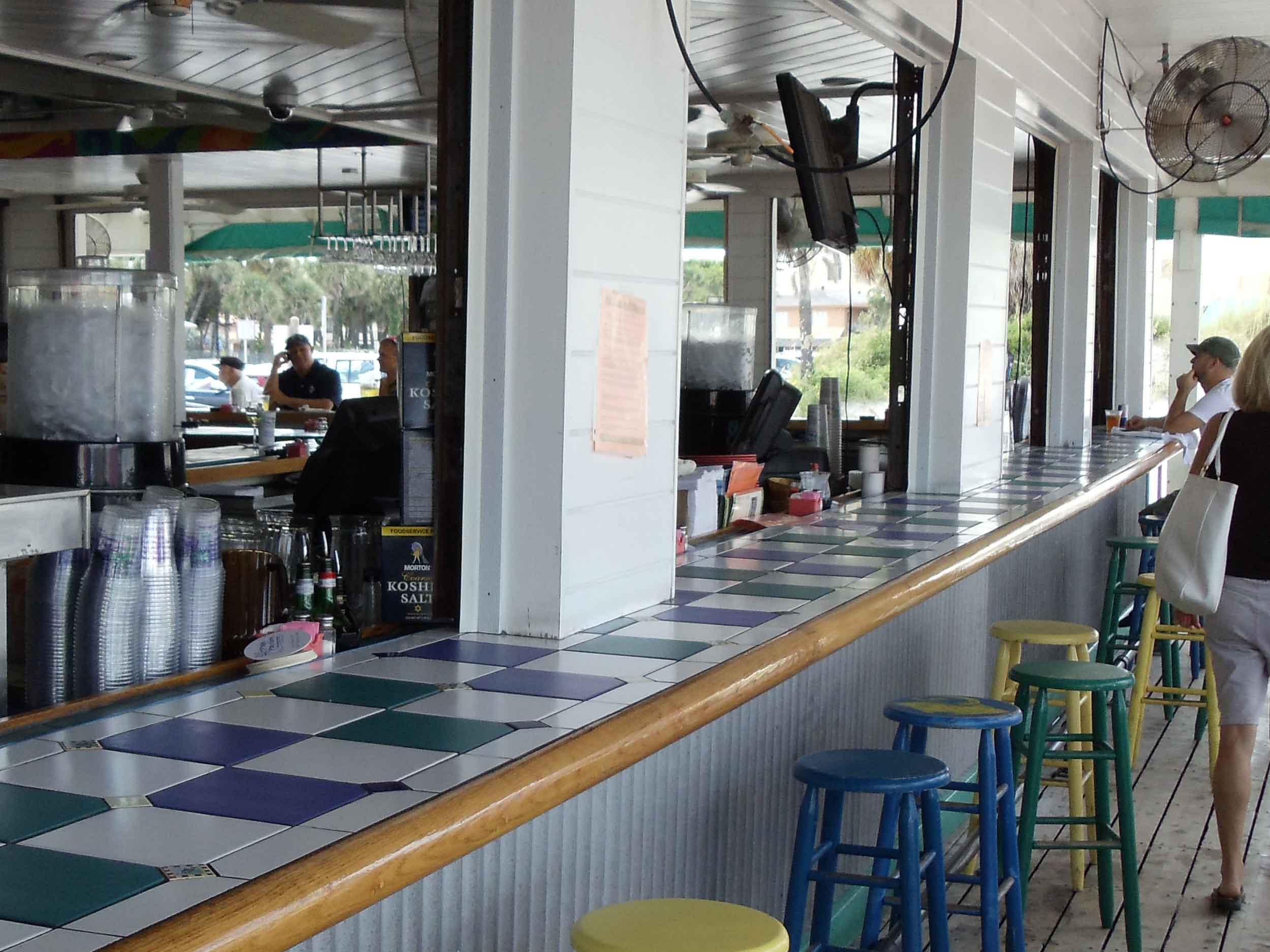 Palm Pavilion Bar