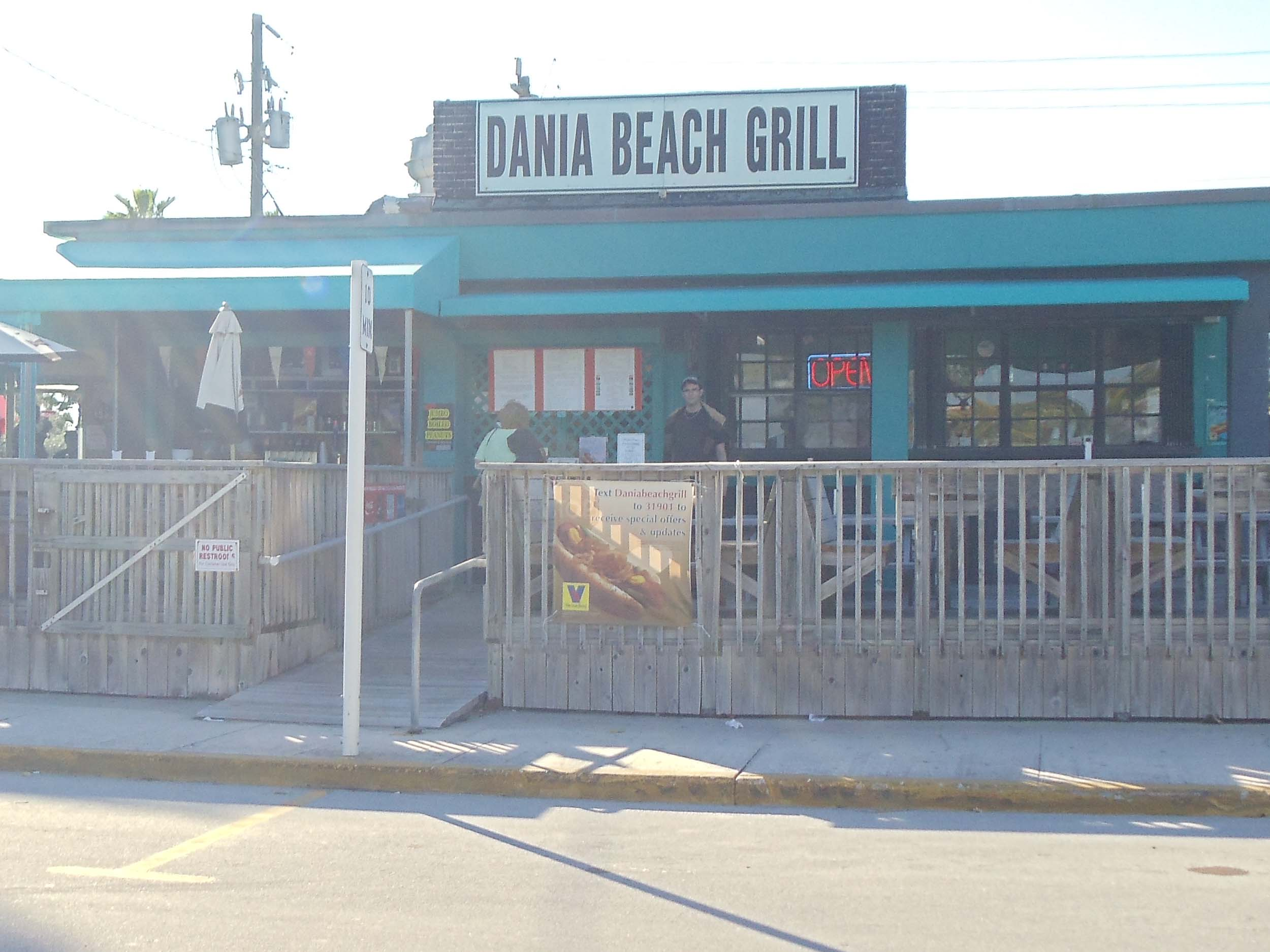 Dania Beach Bar Entrance