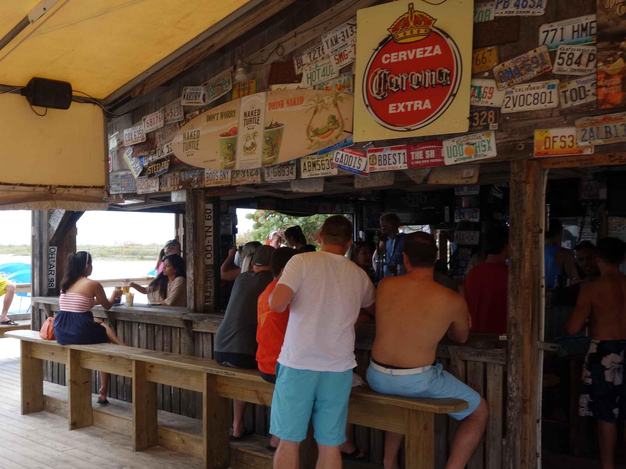 Postcard Inn on the Beach Bar Area