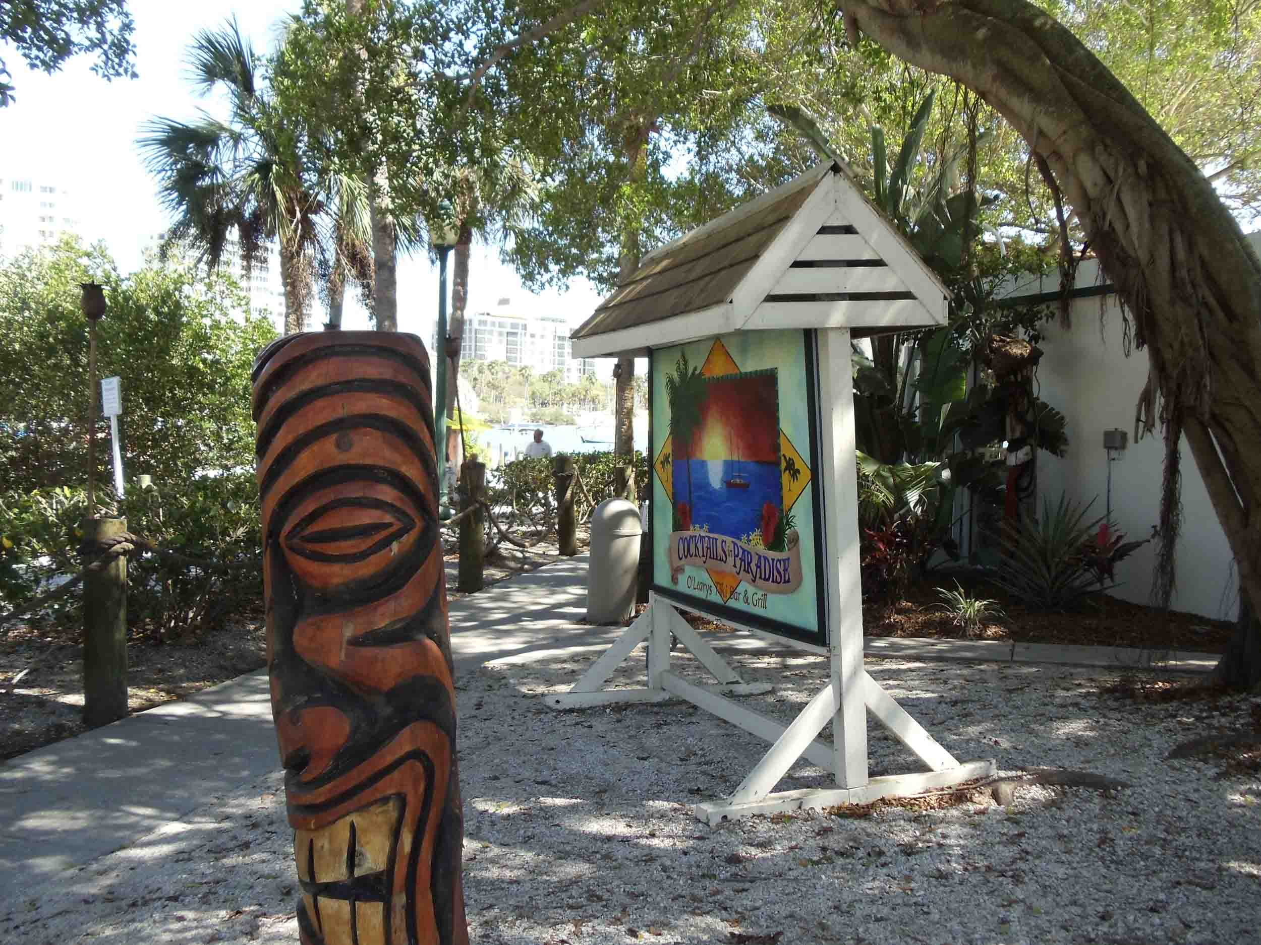 Oleary's Tiki Bar and Grill Entrance